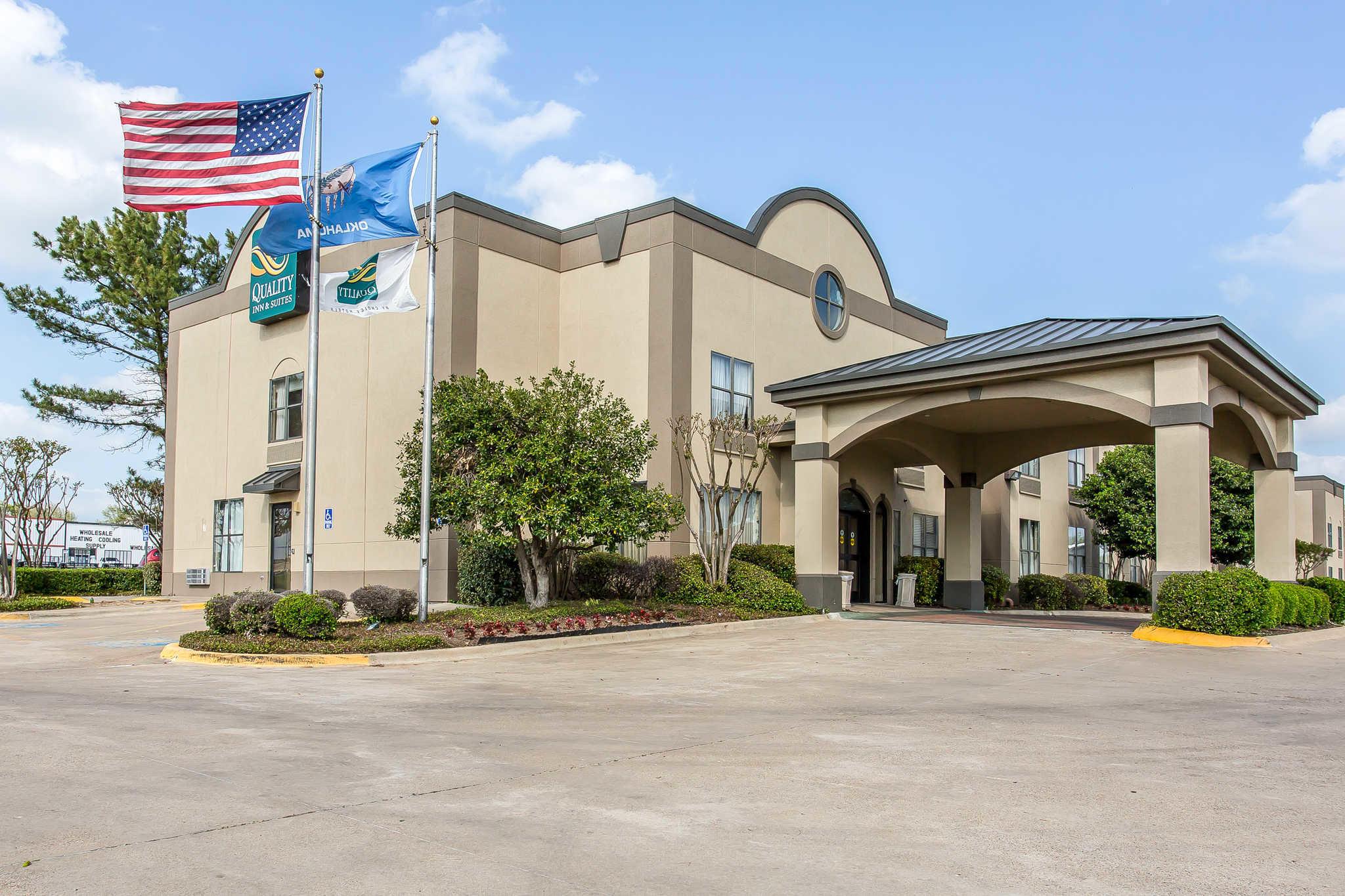 Quality Inn & Suites Durant image 1