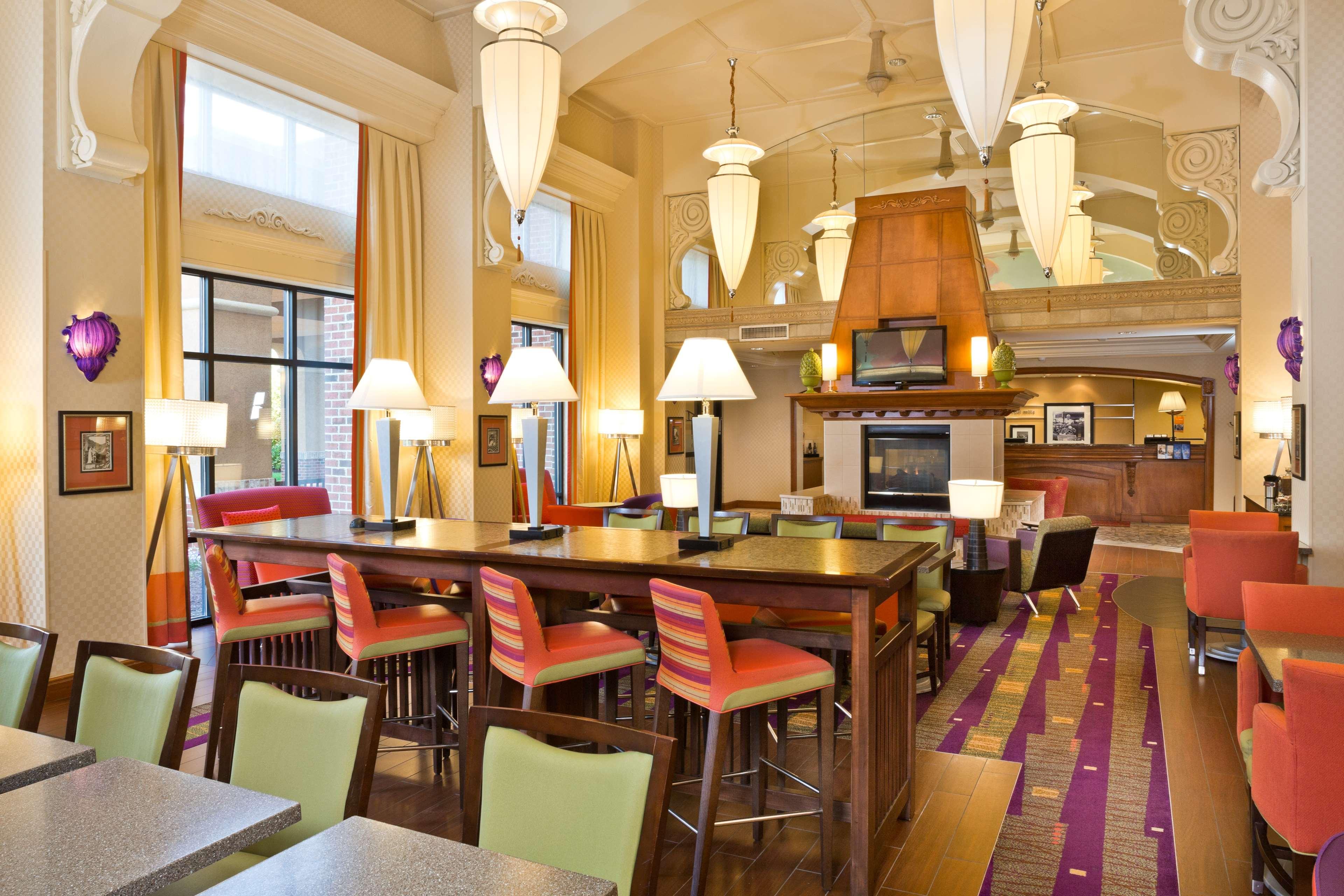 Hampton Inn & Suites Arundel Mills/Baltimore image 3