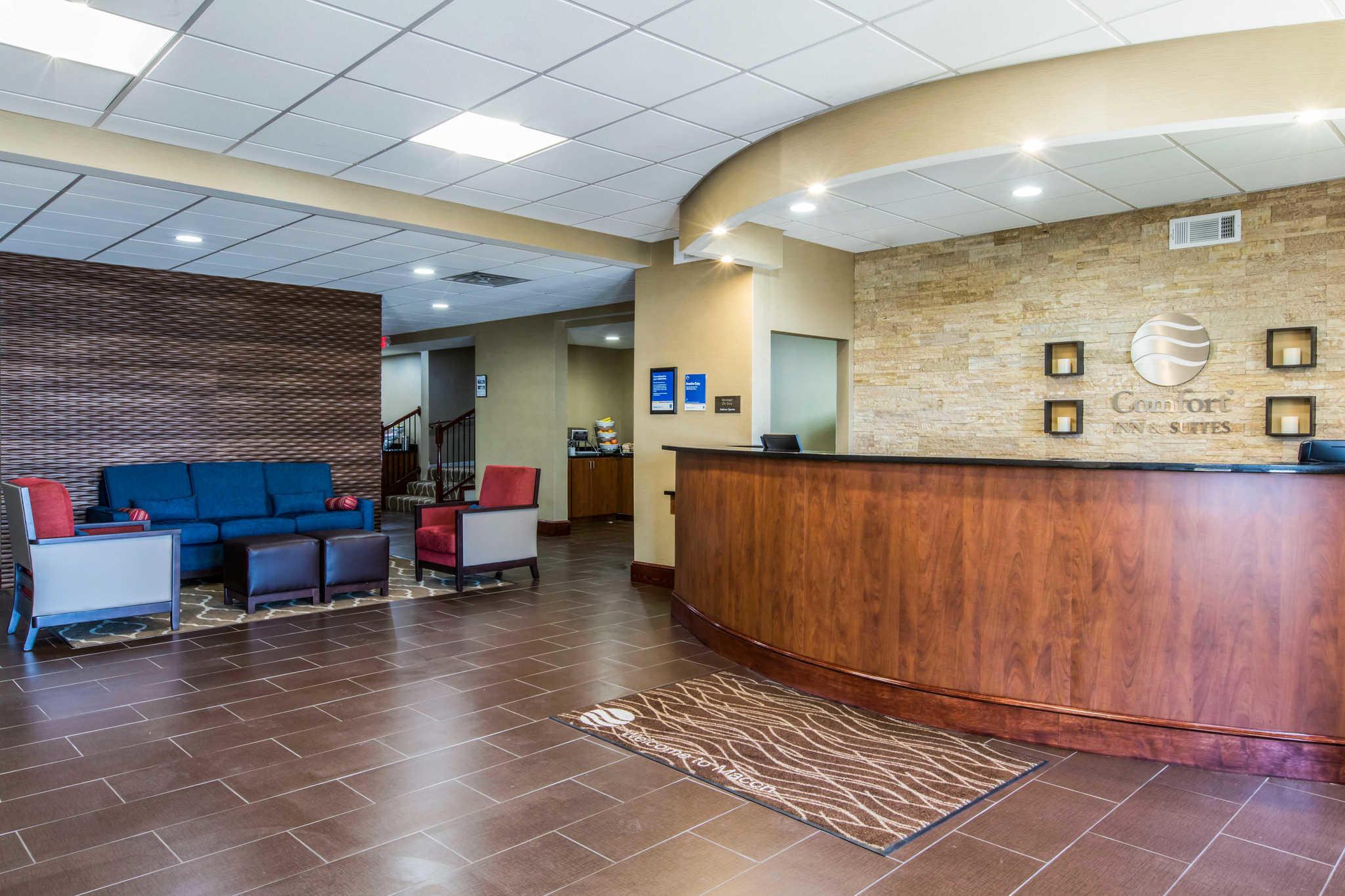Comfort Inn & Suites West image 6