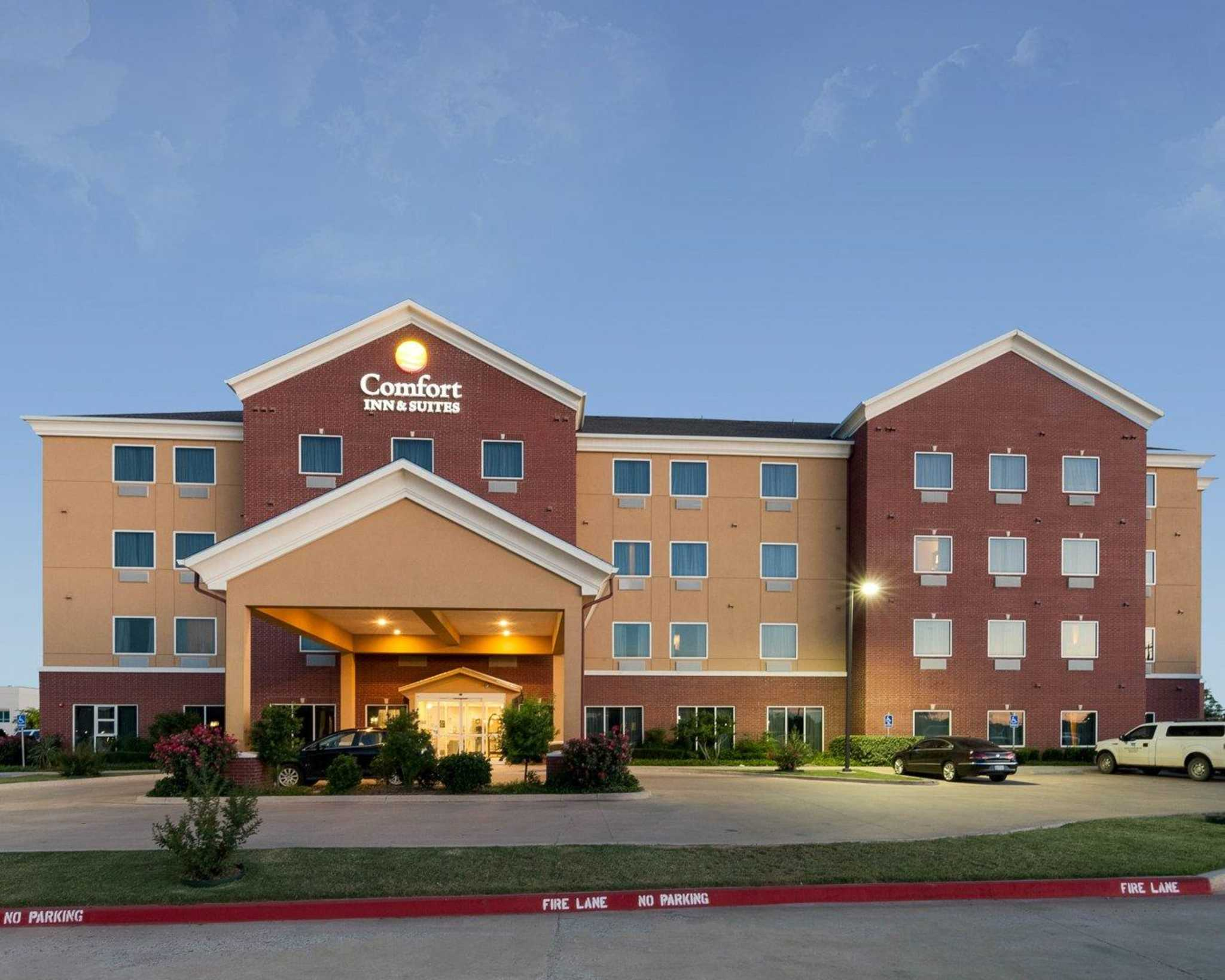Comfort Inn & Suites Regional Medical Center image 2