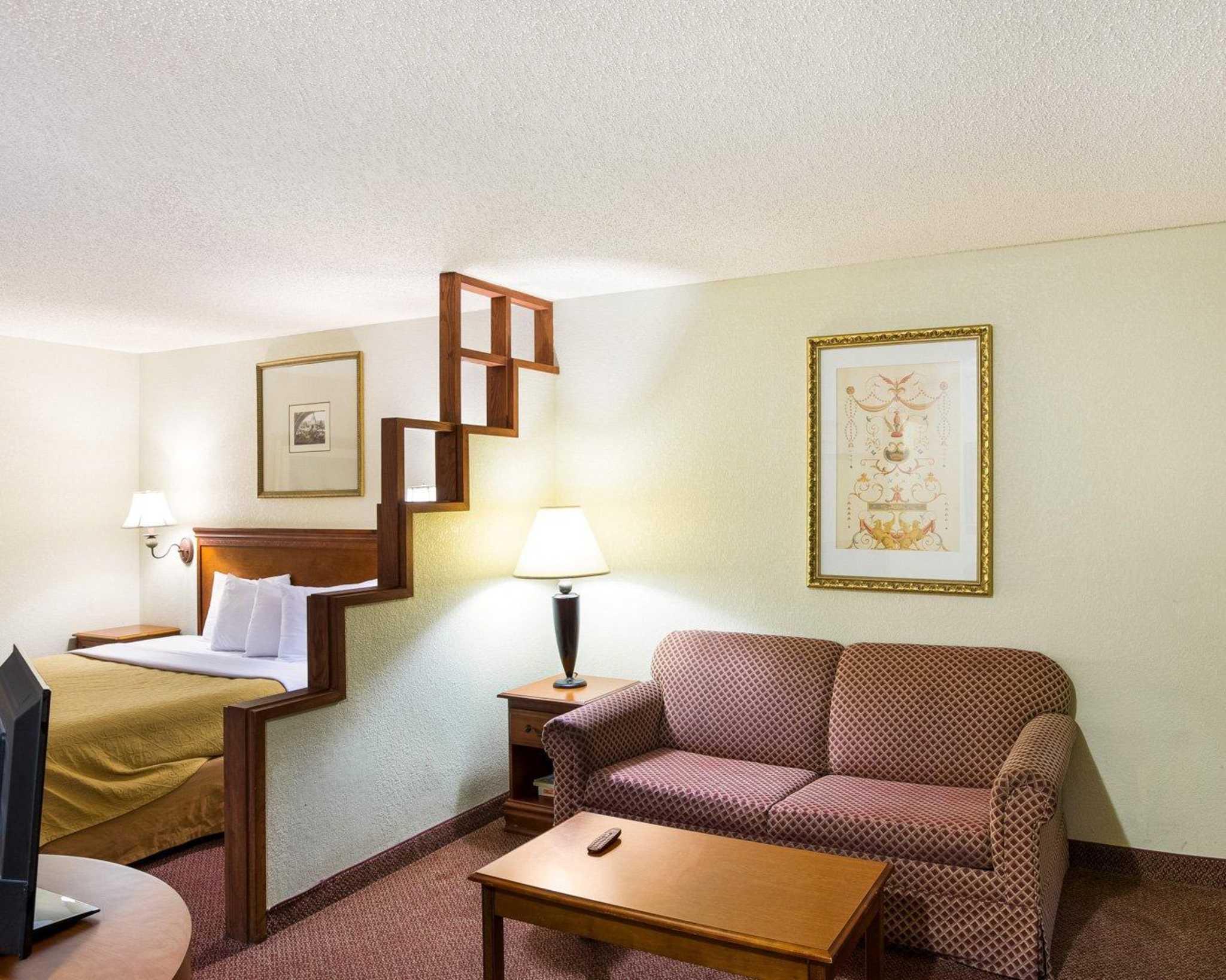 Rodeway Inn & Suites Fiesta Park image 39