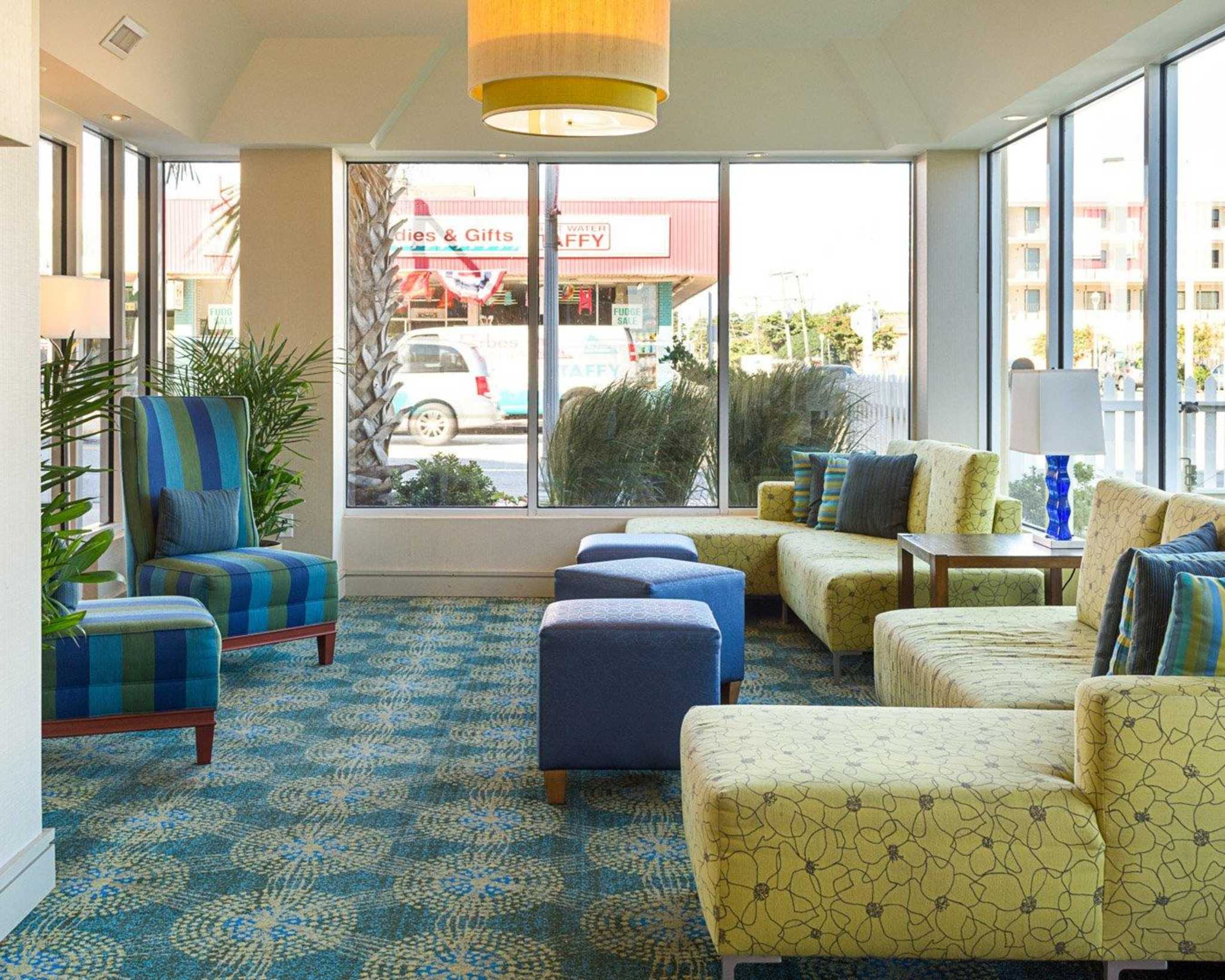 Comfort Suites Beachfront image 11