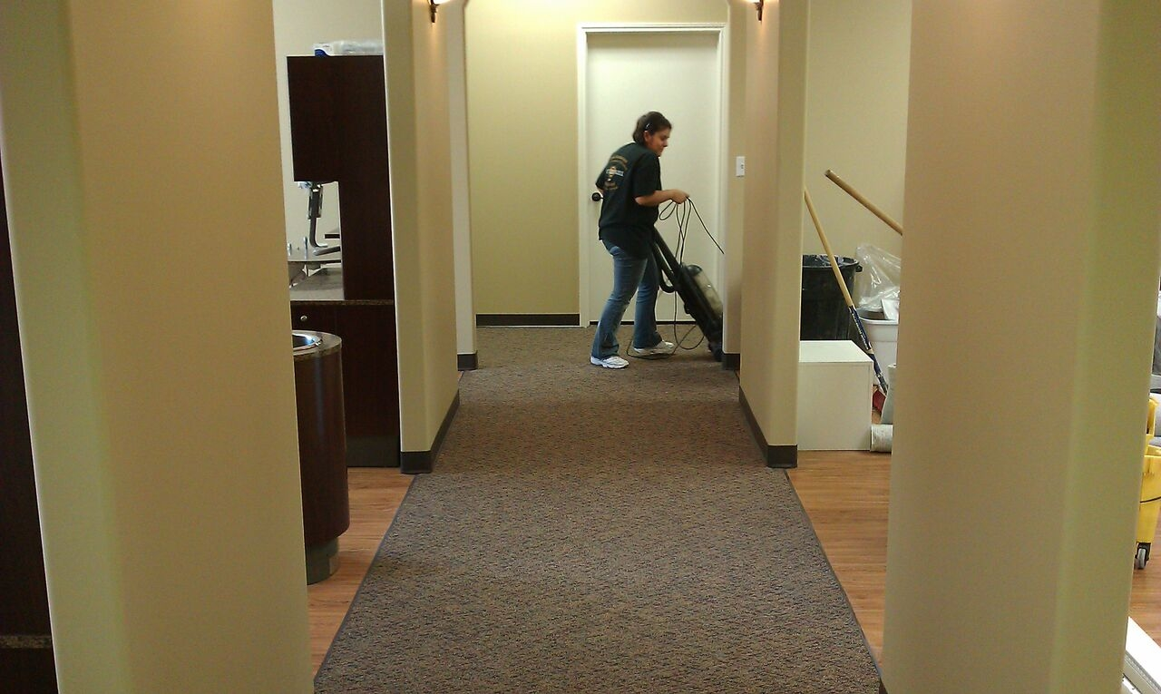 Express Commercial Cleaning image 1