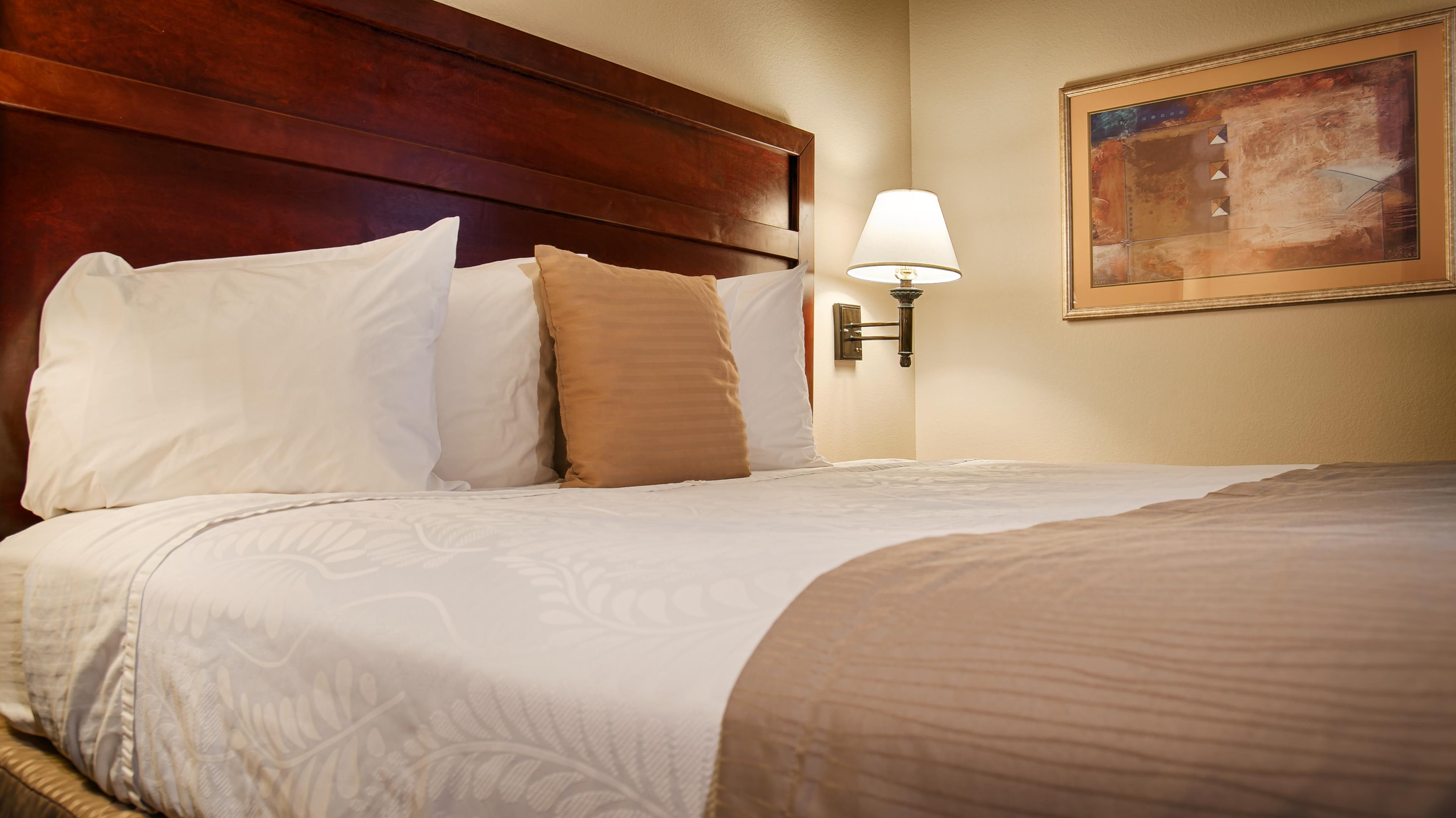 Country Inn & Suites by Radisson, Midway, FL image 2