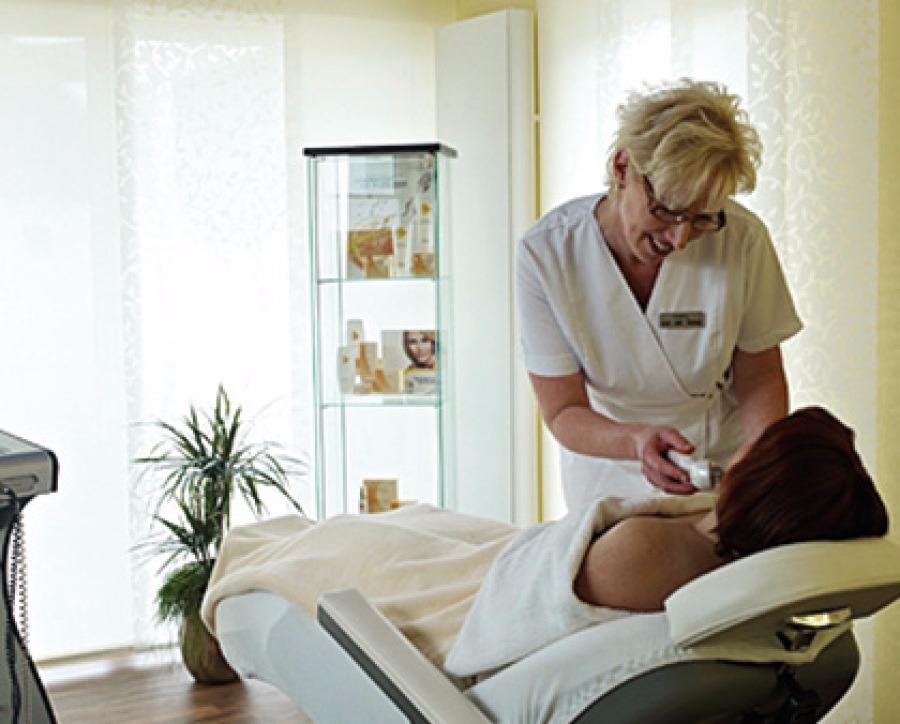 das wei e haus physiotherapie und kosmetik in nordhorn branchenbuch deutschland. Black Bedroom Furniture Sets. Home Design Ideas