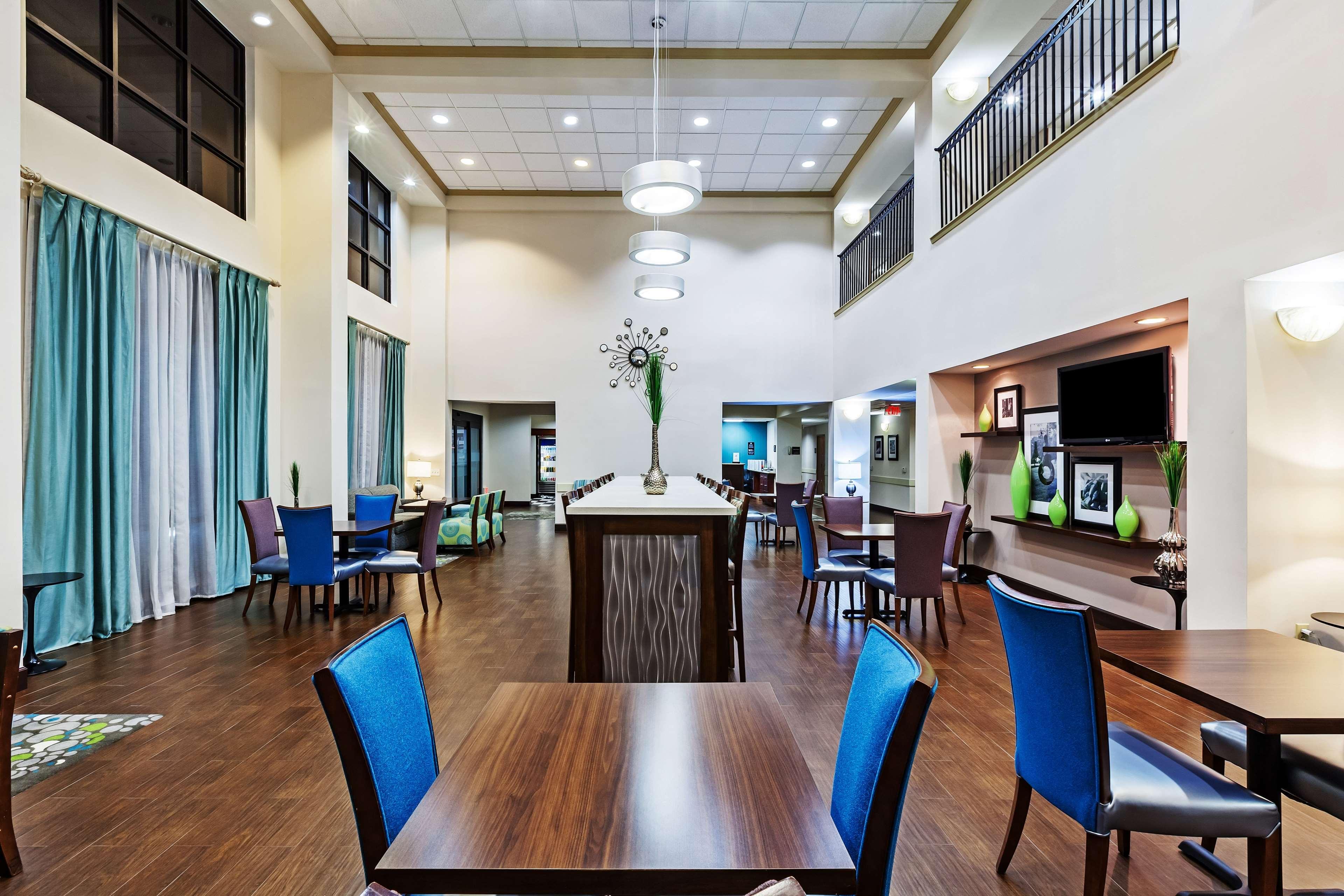 Hampton Inn & Suites Houston-Westchase image 11