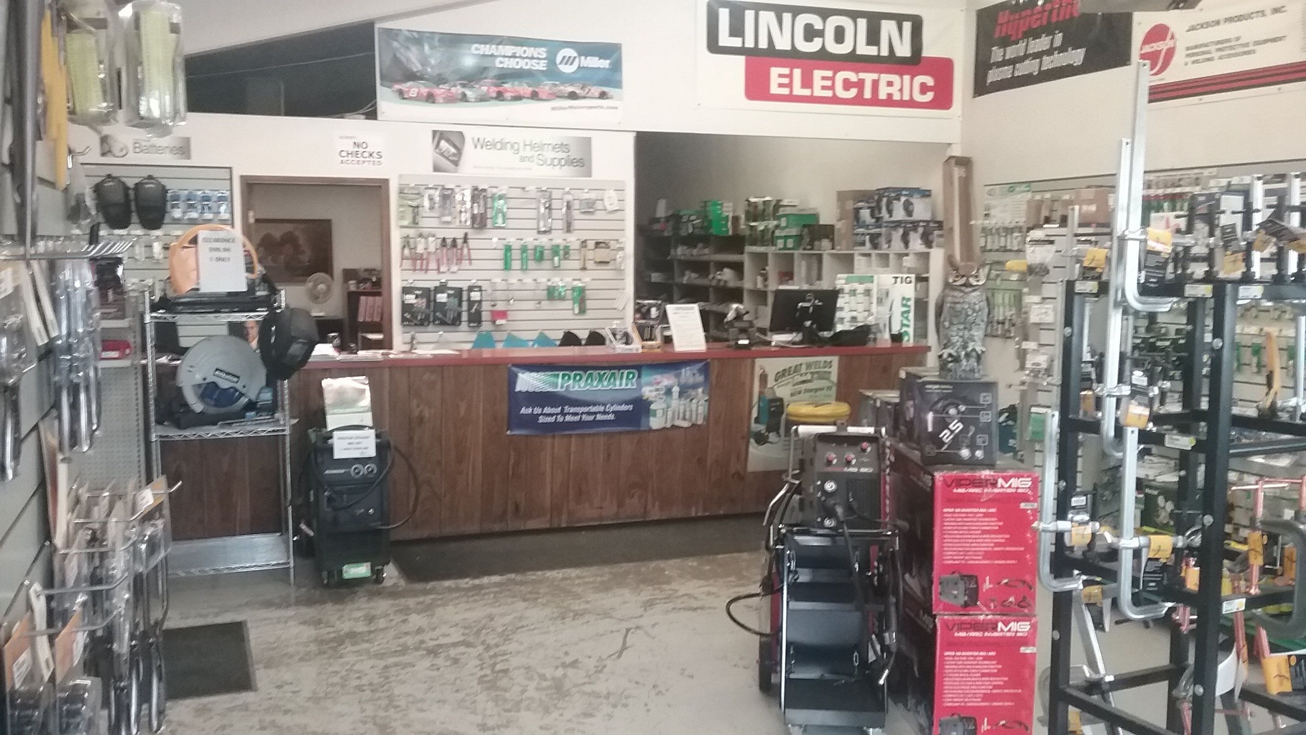 Praxair Welding Gas and Supply Store   400 Roosevelt Ave E, Enumclaw, WA, 98022   +1 (360) 825-4222
