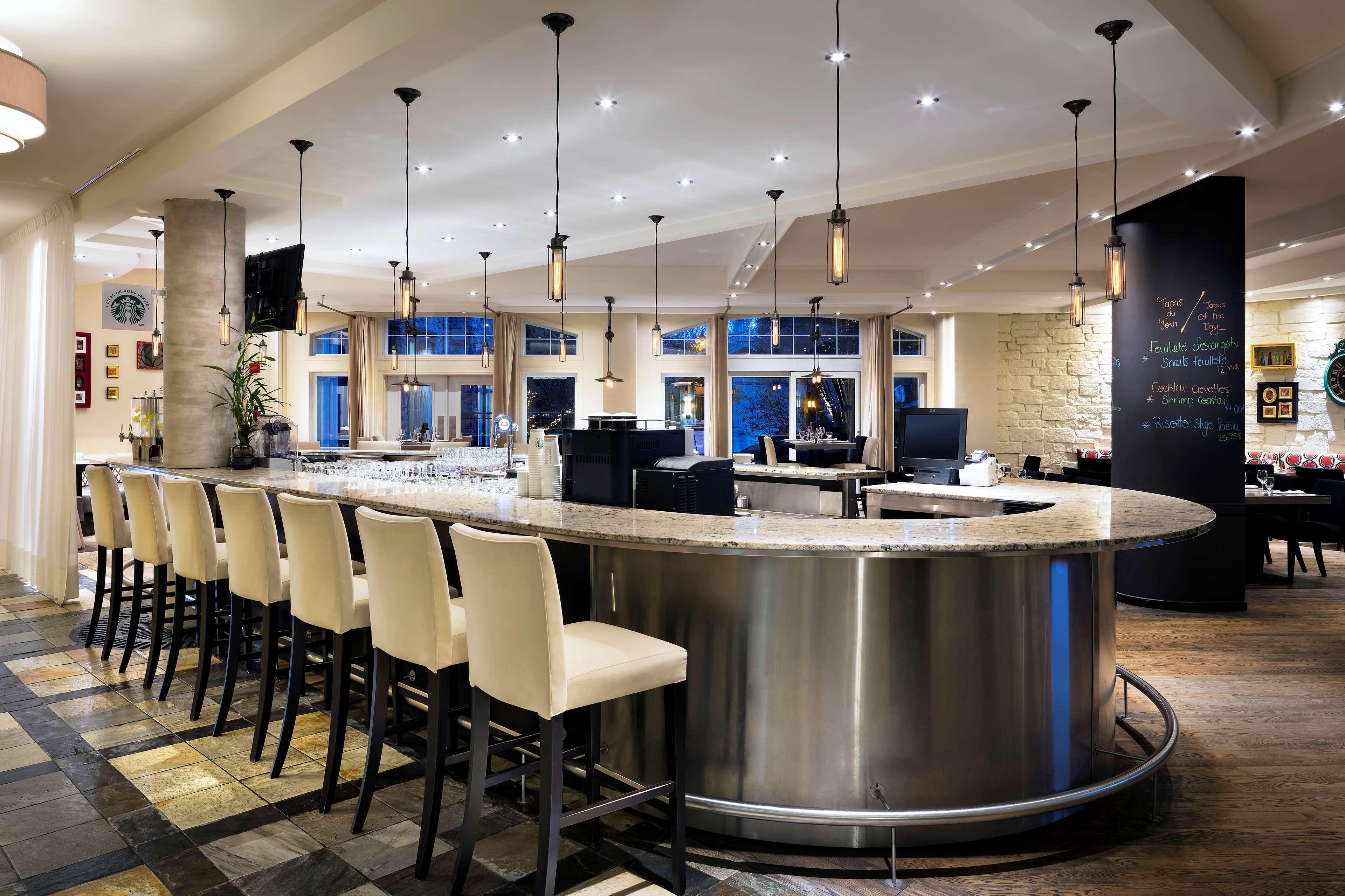 Le Westin Resort & Spa, Tremblant, Quebec à Mont Tremblant: Gypsy Bar & Restaurant