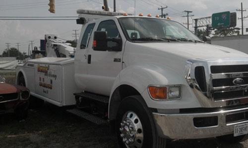 Dennis Truck Repair - ad image