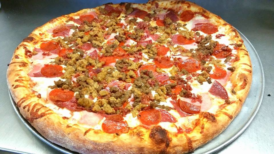 Ronnie's Pizza image 7