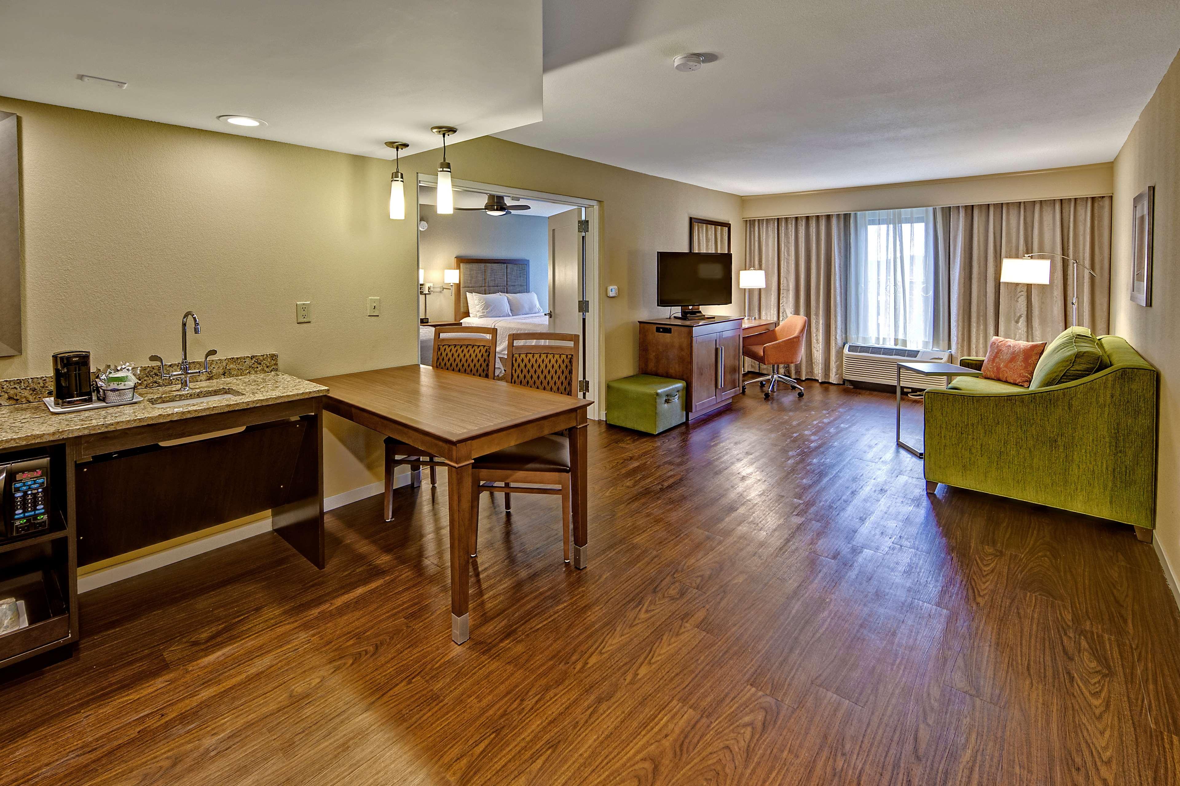 Hampton Inn & Suites Asheville-I-26 image 36