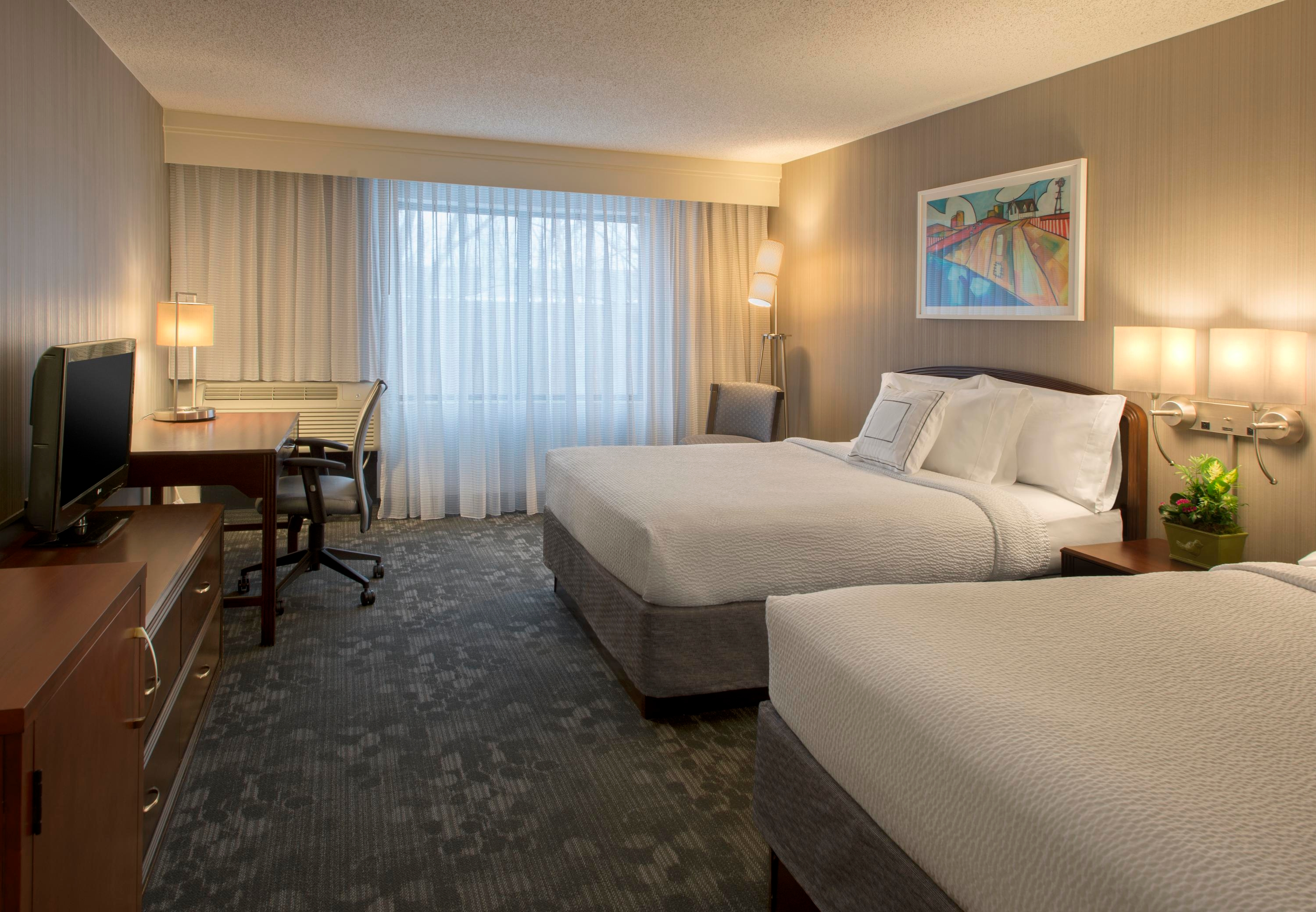 Courtyard by Marriott Grand Rapids Airport image 3