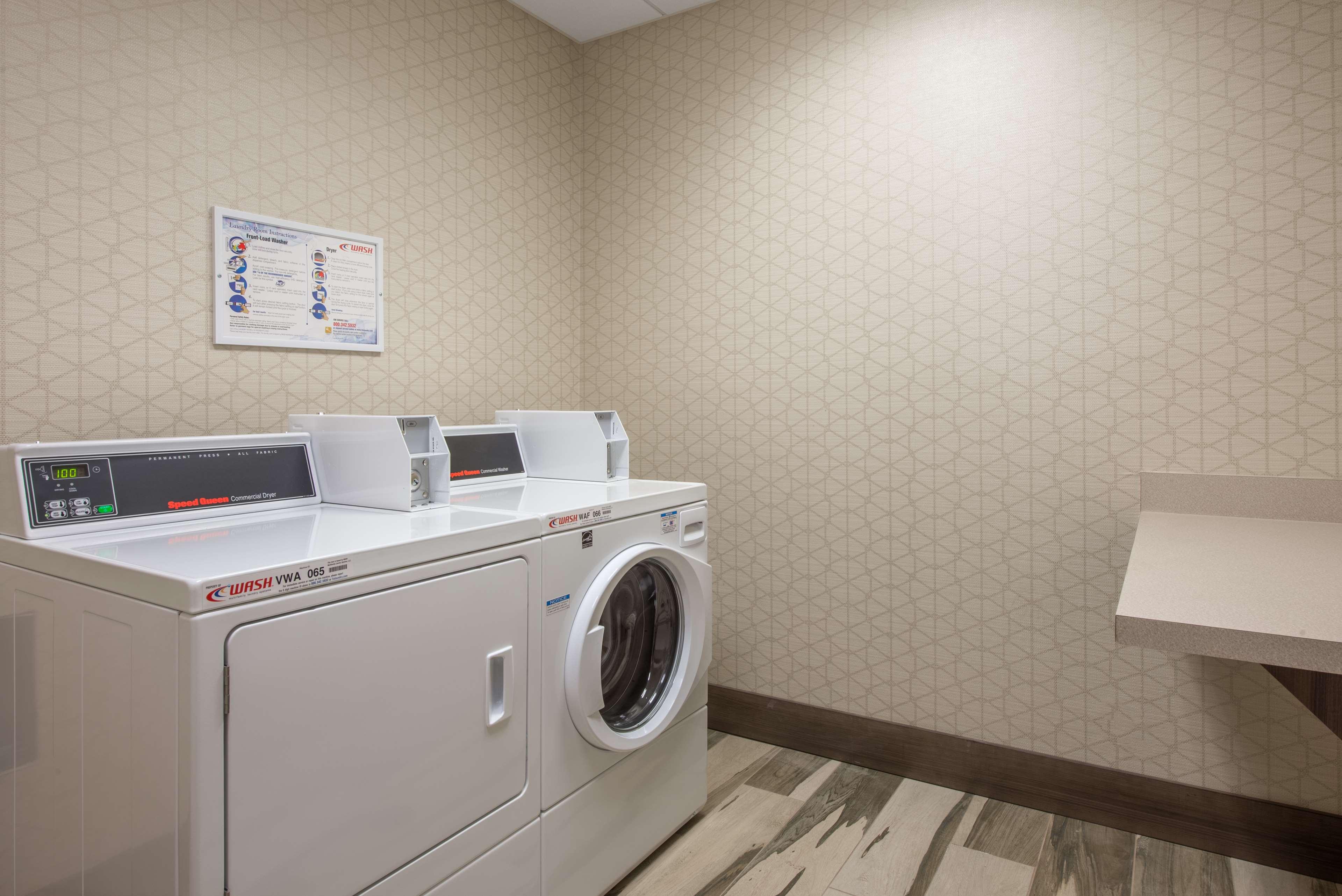 Hampton Inn & Suites Phoenix East Mesa image 0