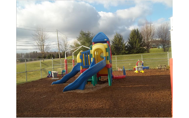 State College KinderCare image 15