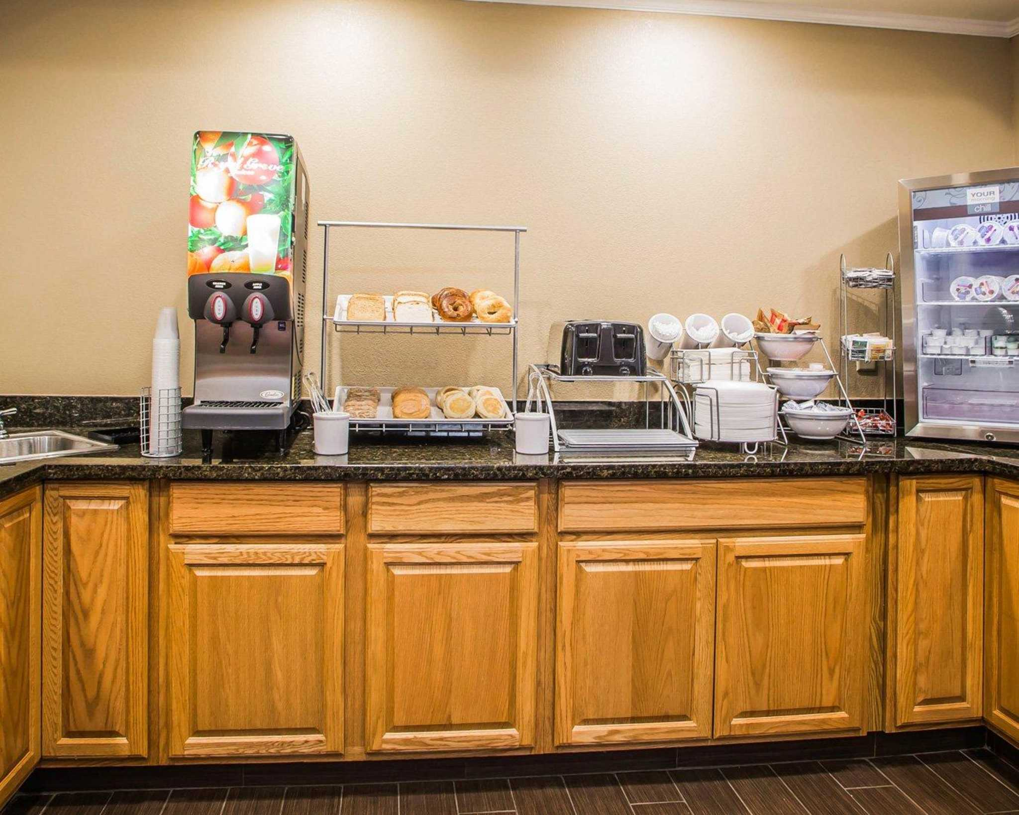 Comfort Inn & Suites Waterloo – Cedar Falls image 22
