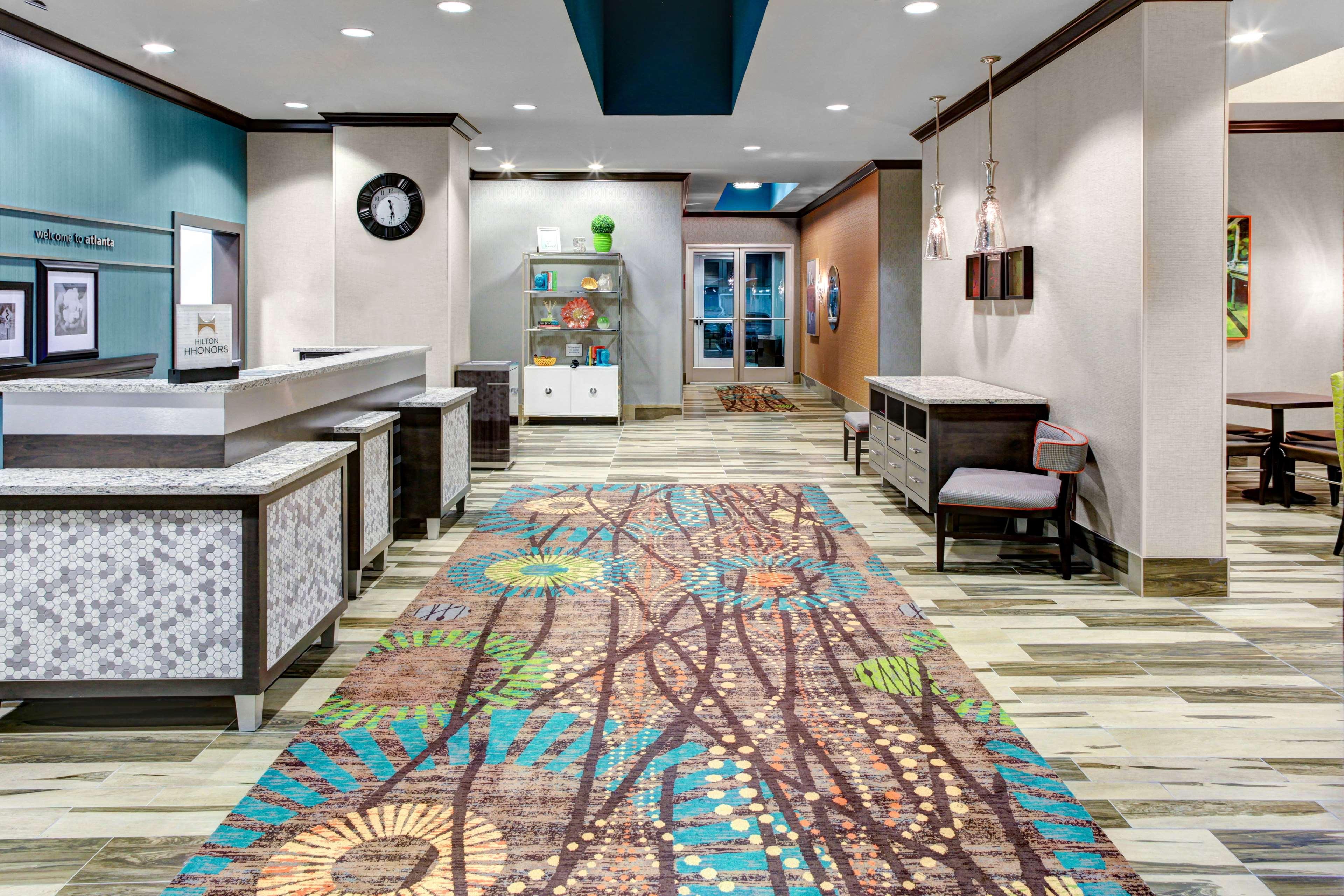 Hampton Inn & Suites by Hilton Atlanta Perimeter Dunwoody image 4