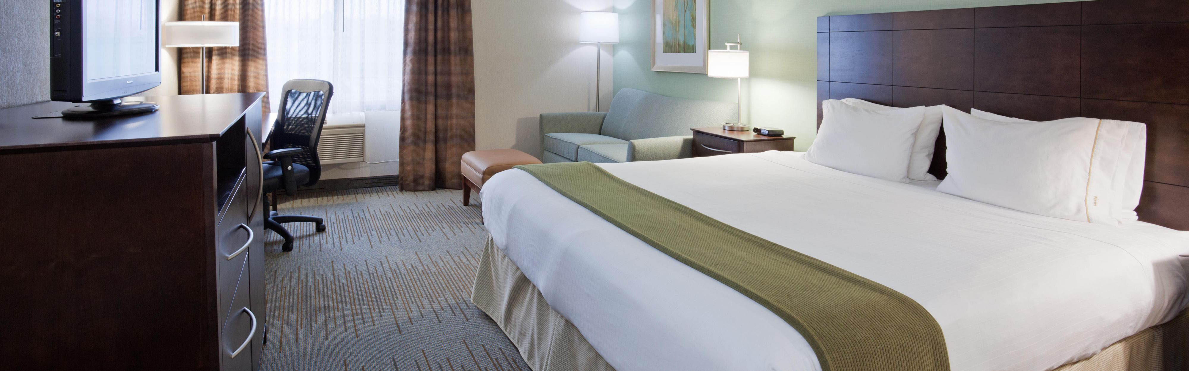 Holiday Inn Express & Suites St. Paul Ne (Vadnais Heights) image 1