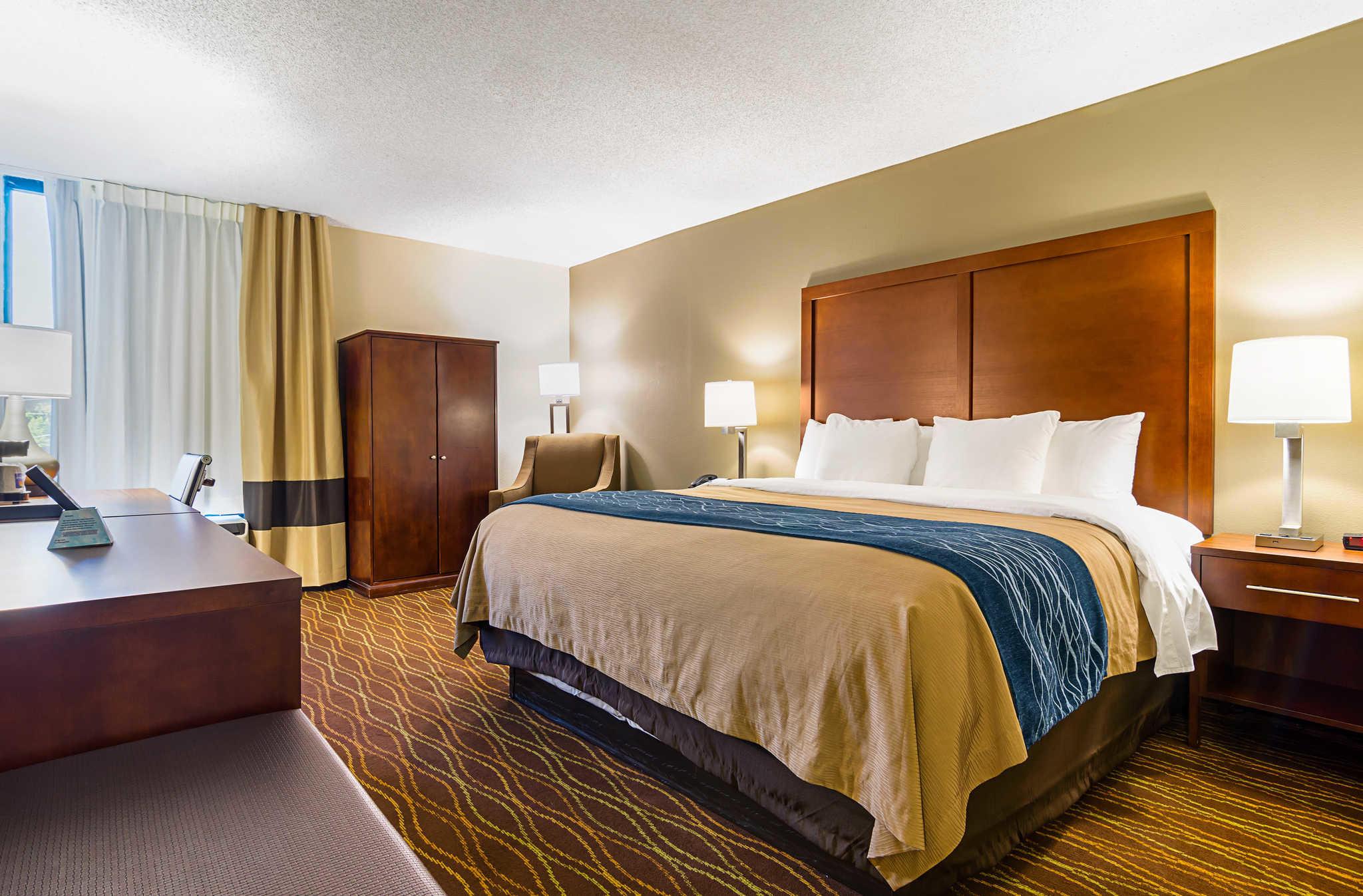 Comfort Inn & Suites Duke University-Downtown image 7