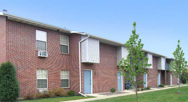 Willow Park Apartments image 1