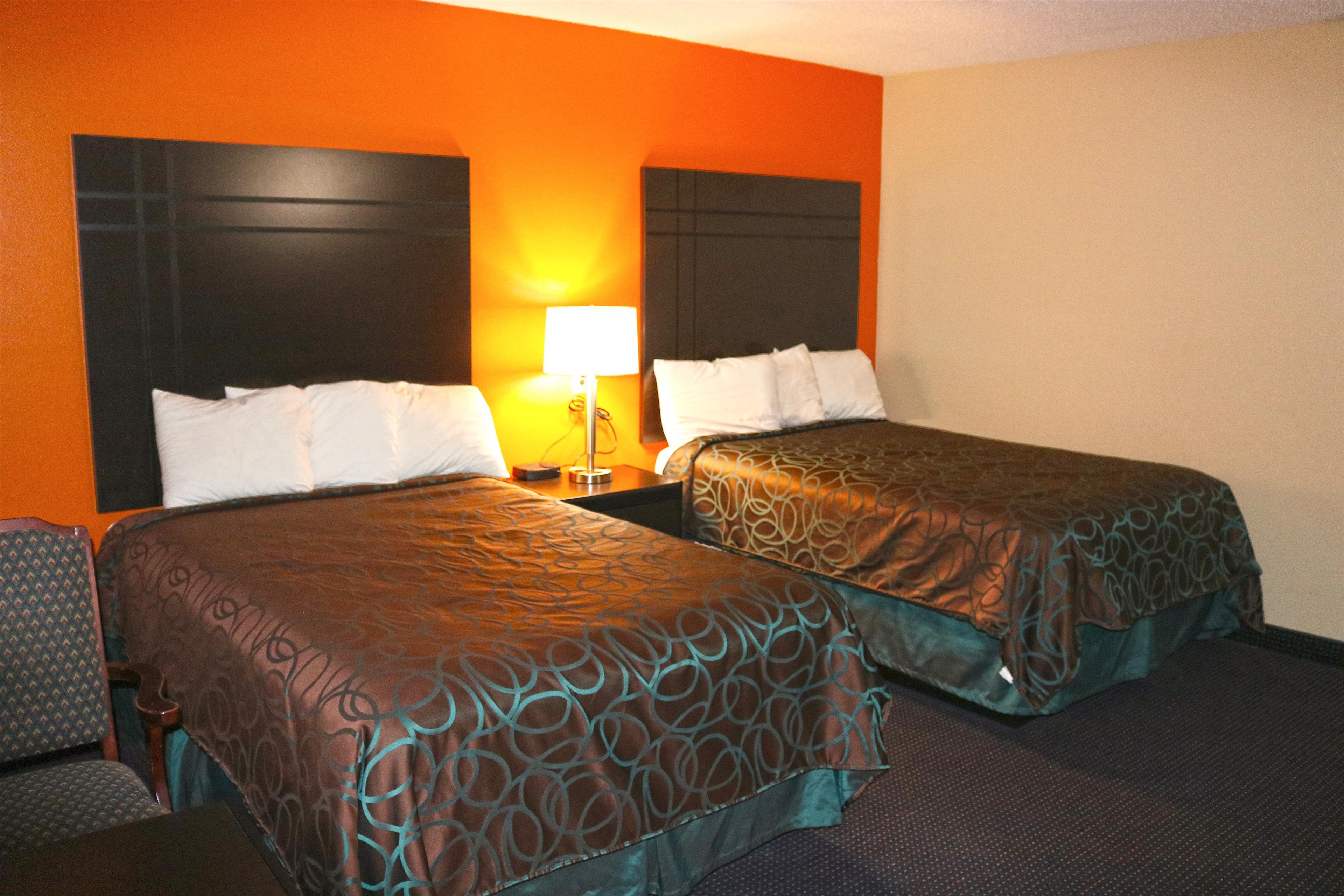 Americas Best Value Inn - Giddings image 5