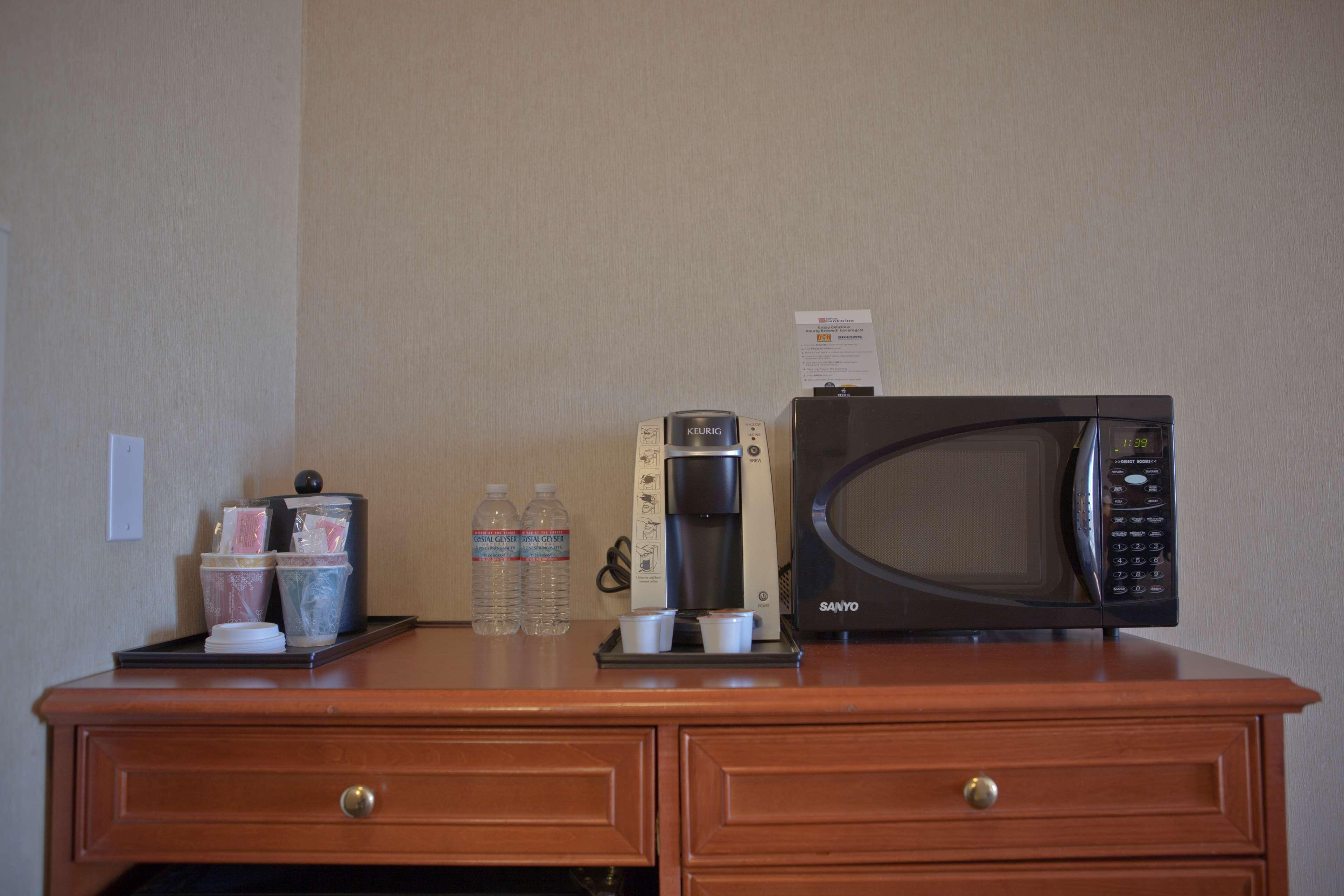 Hilton Garden Inn Albuquerque/Journal Center image 22