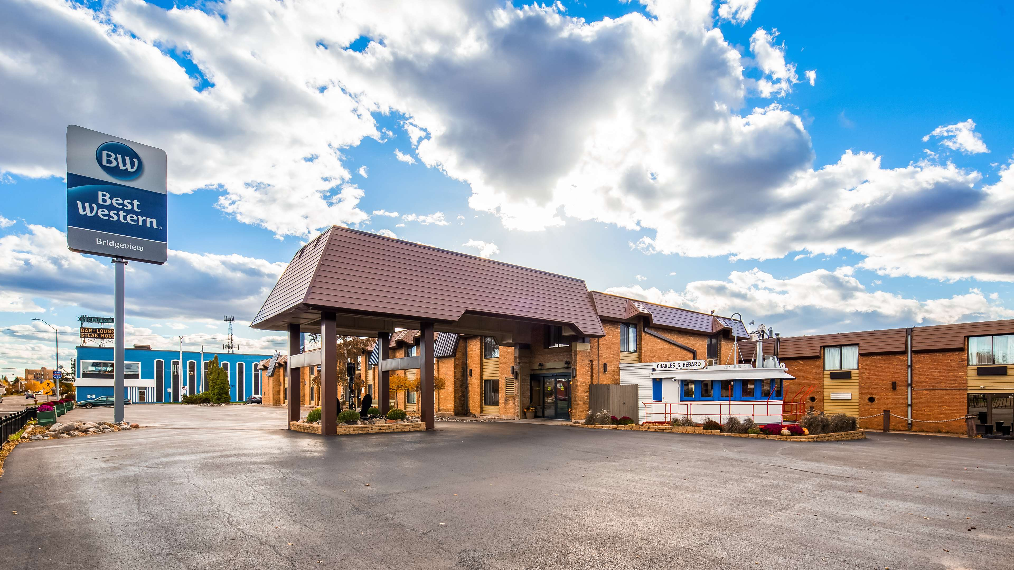 Best Western Bridgeview Hotel image 0