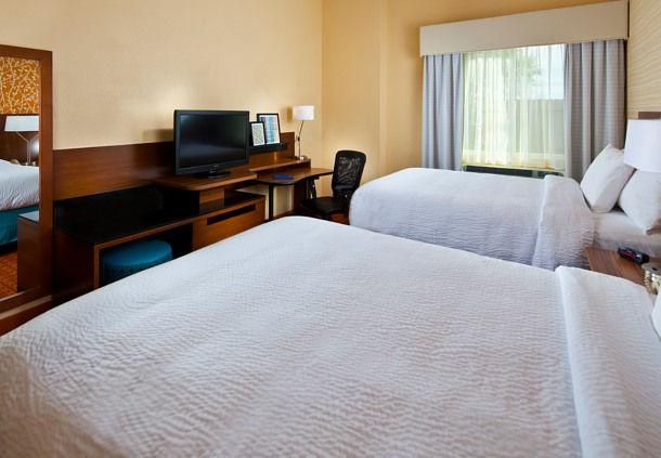 Fairfield Inn & Suites by Marriott Houston Hobby Airport image 2