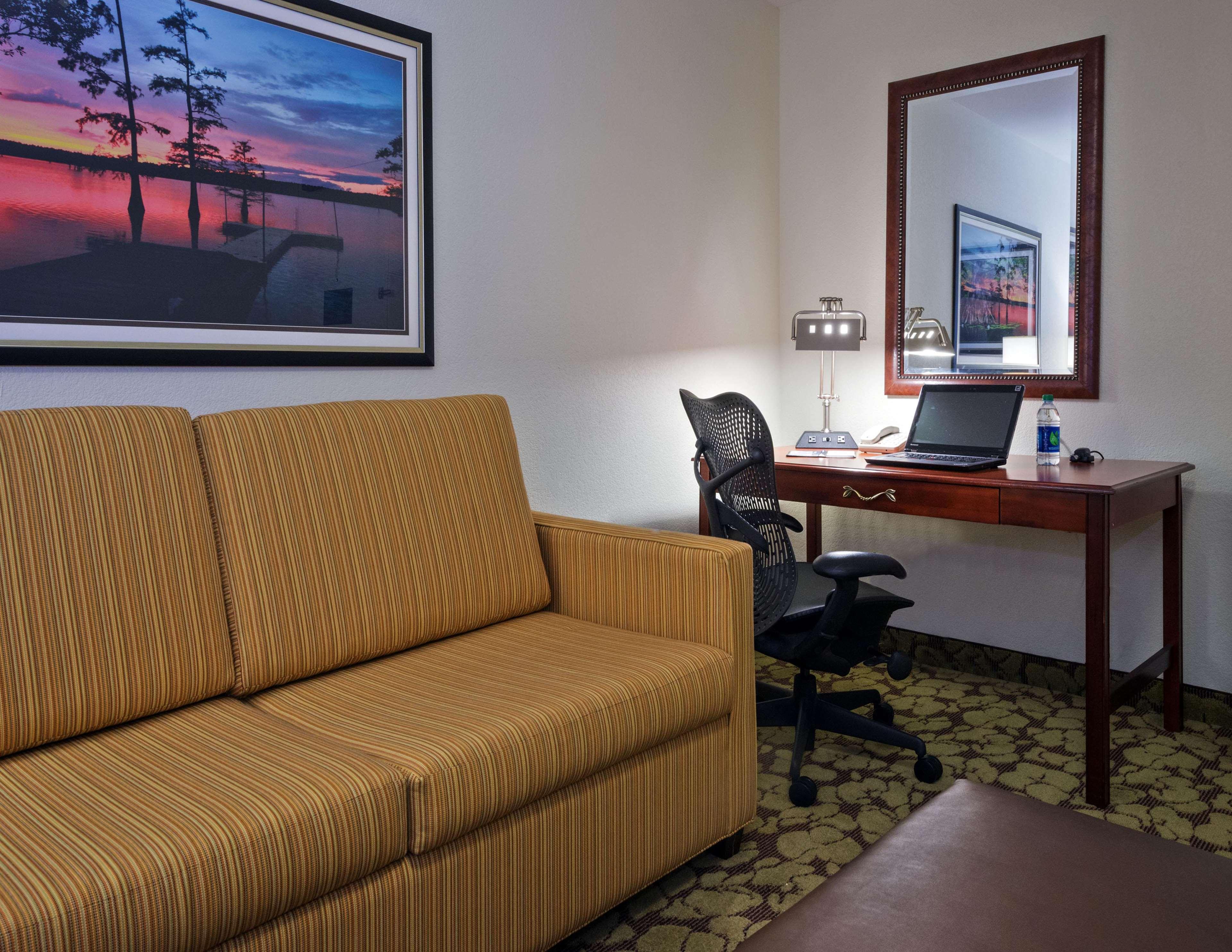 Hilton Garden Inn Lafayette/Cajundome image 26