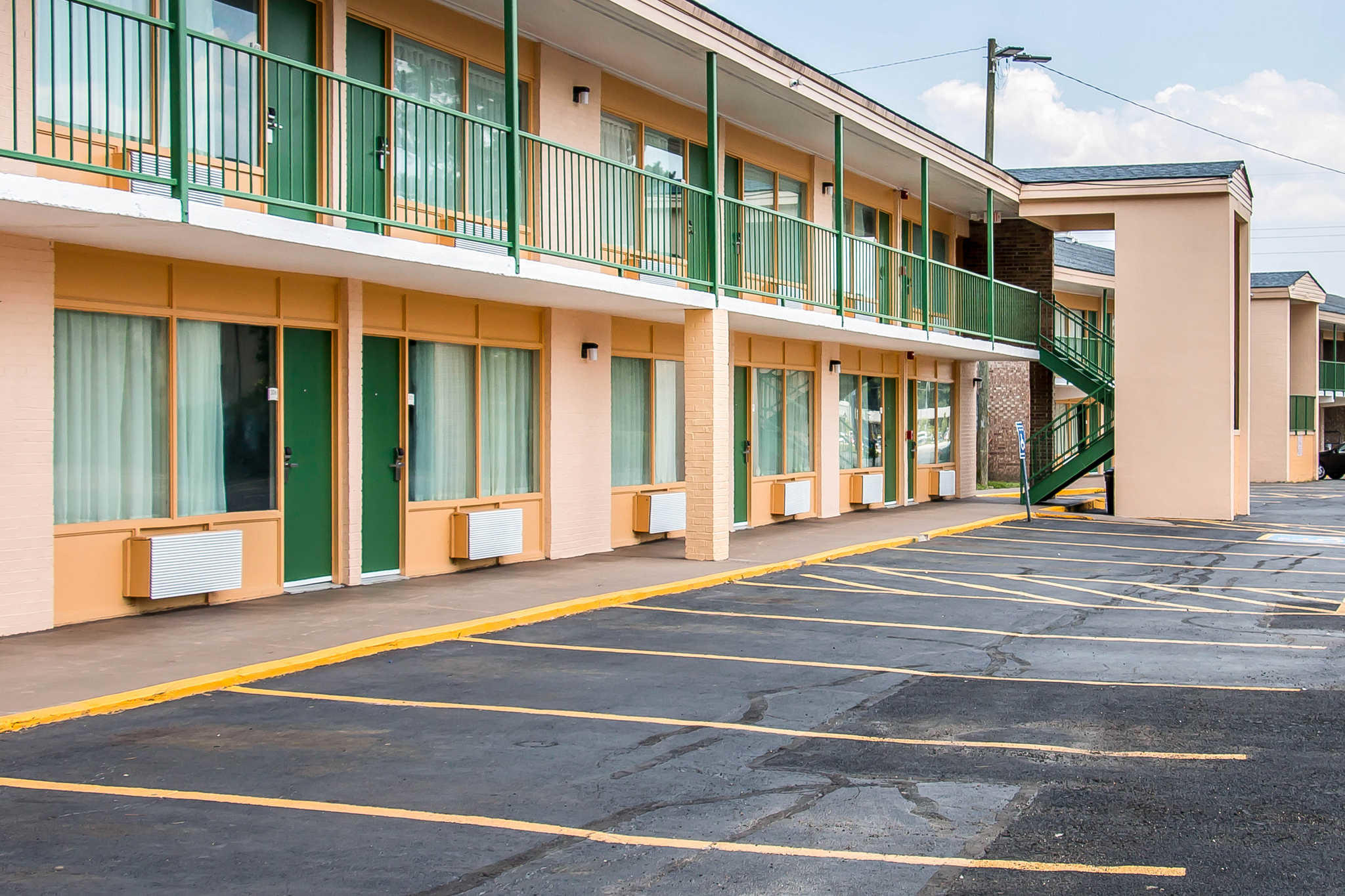 Quality Inn Hinesville - Fort Stewart Area image 3