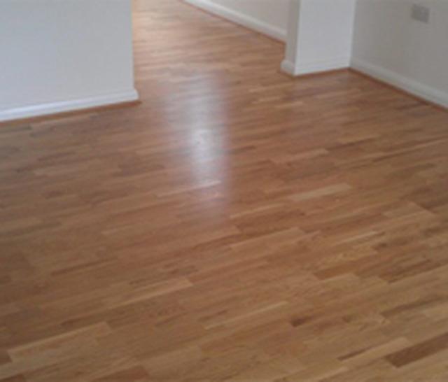Total flooring solutions carpet fitting in sandown po36 for Inexpensive flooring solutions