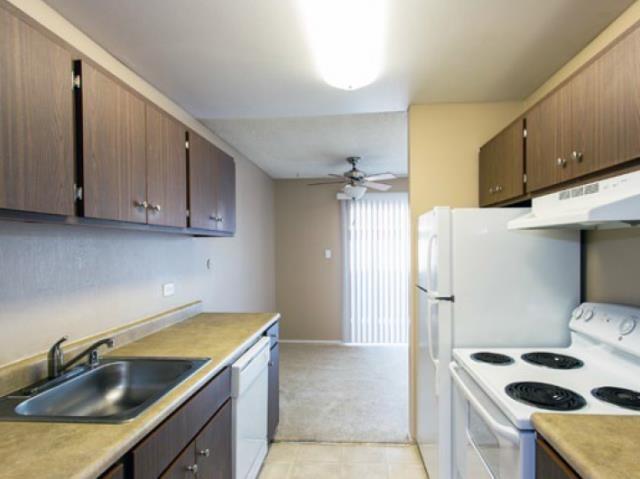 Bella Vista Apartment Homes image 1