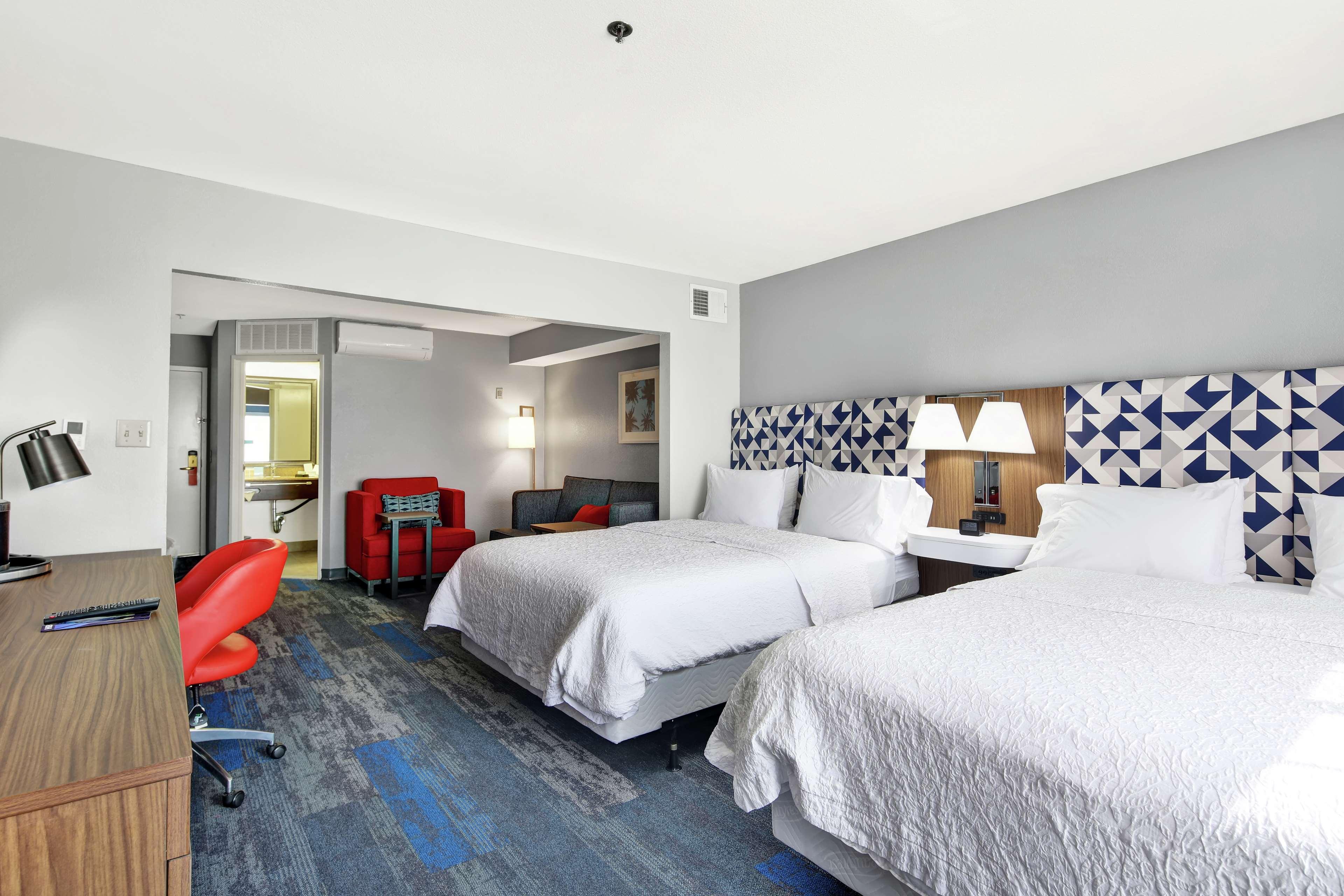 Hampton Inn & Suites Santa Ana/Orange County Airport in Santa Ana, CA, photo #24