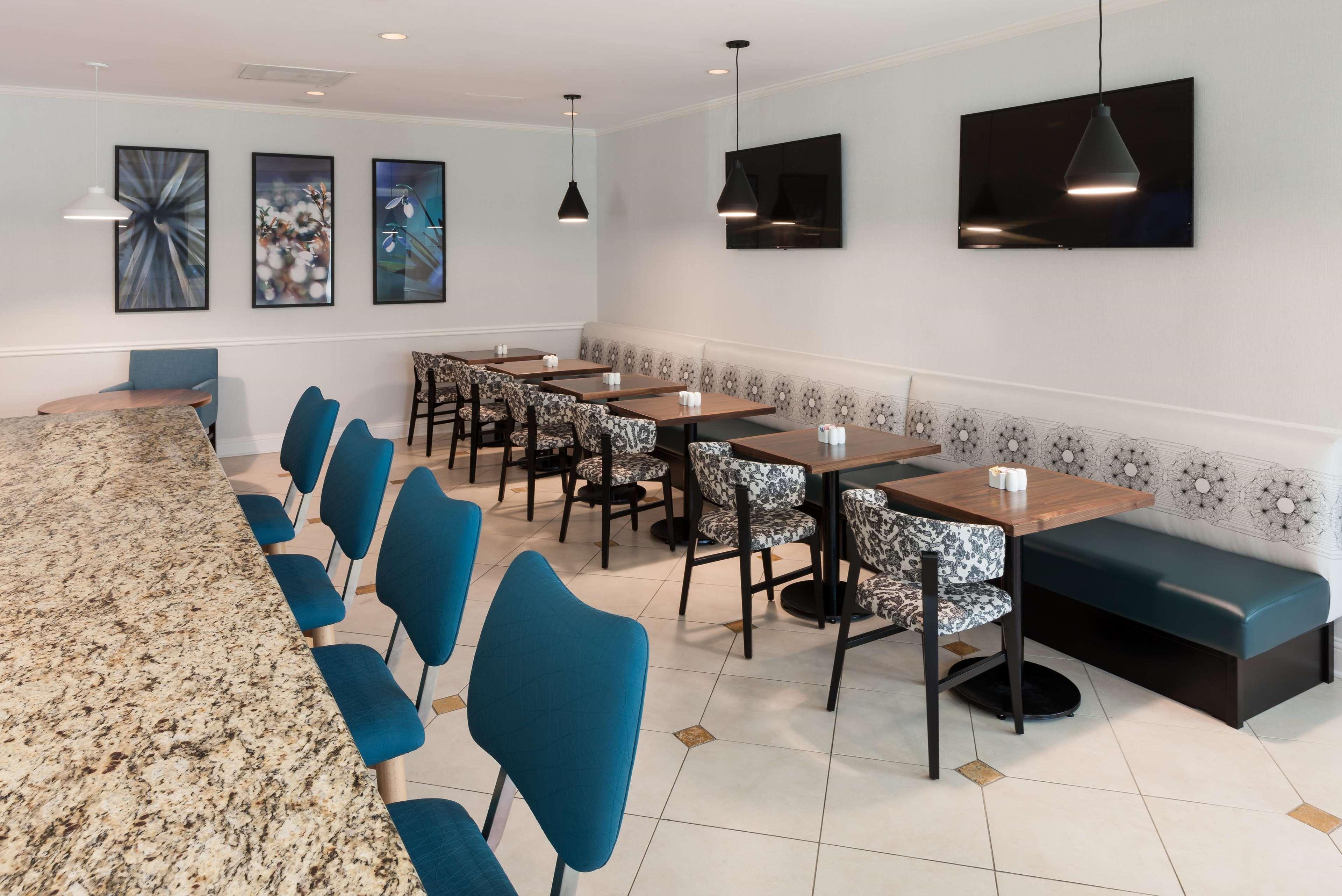 Hilton Garden Inn Frisco image 9