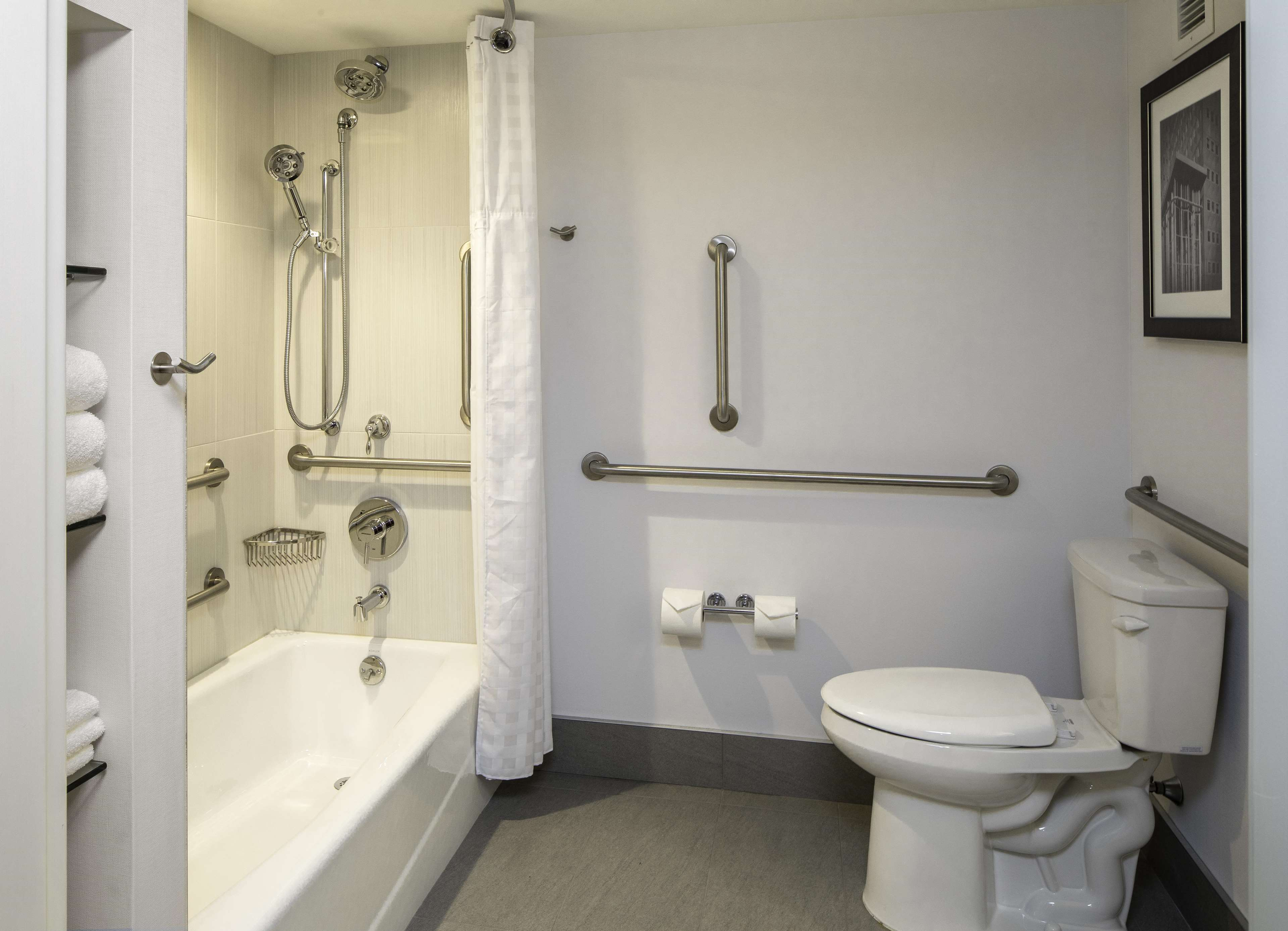 DoubleTree by Hilton Hotel Pittsburgh - Cranberry image 15