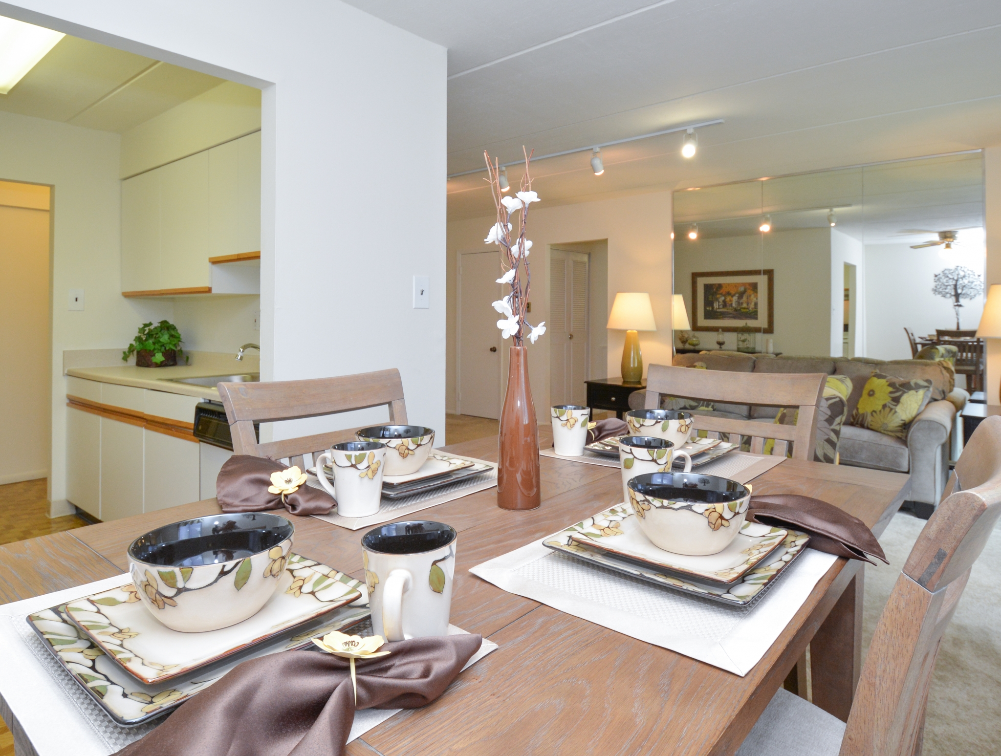 Norwood House Apartments image 13