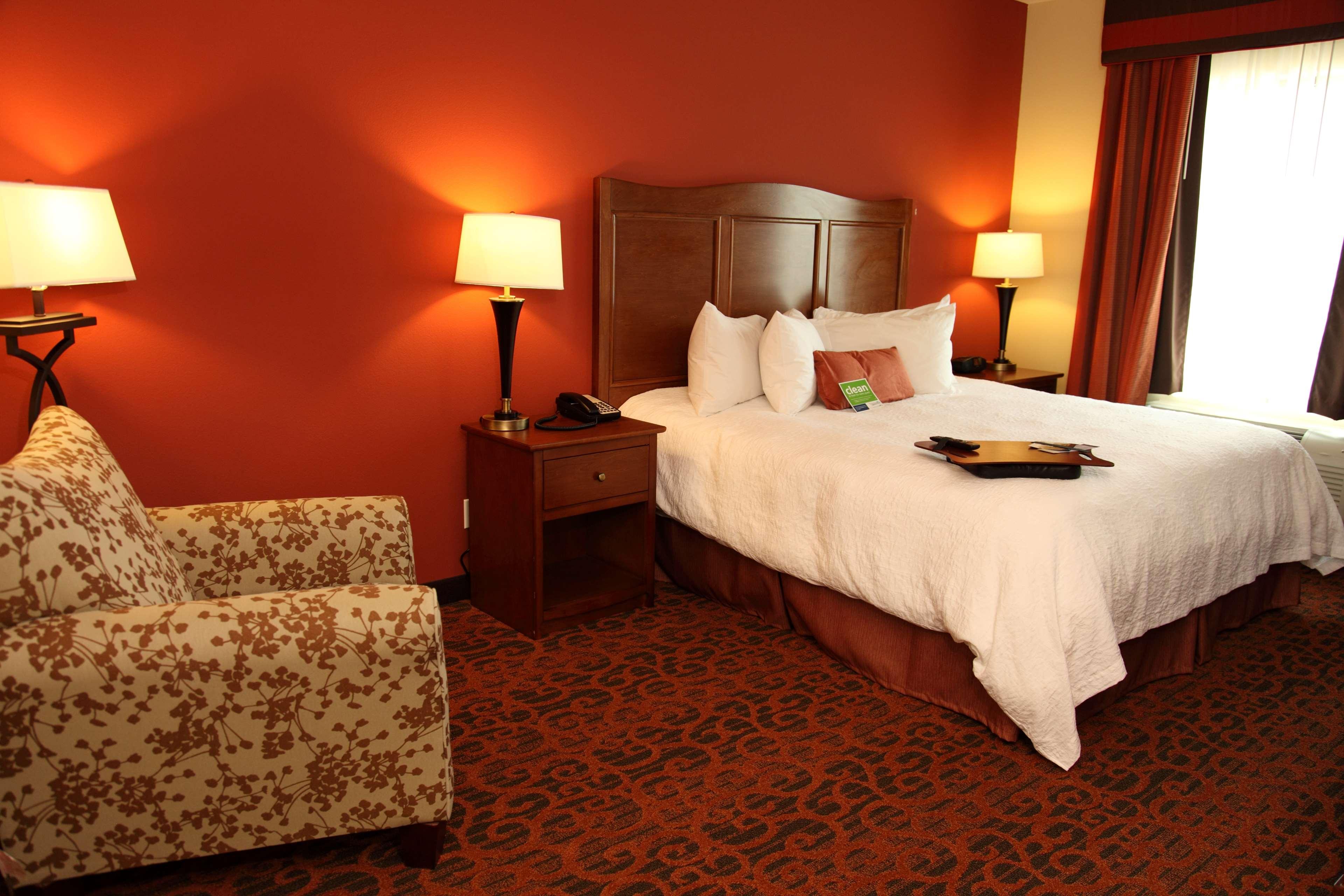 Hampton Inn & Suites Bastrop image 17
