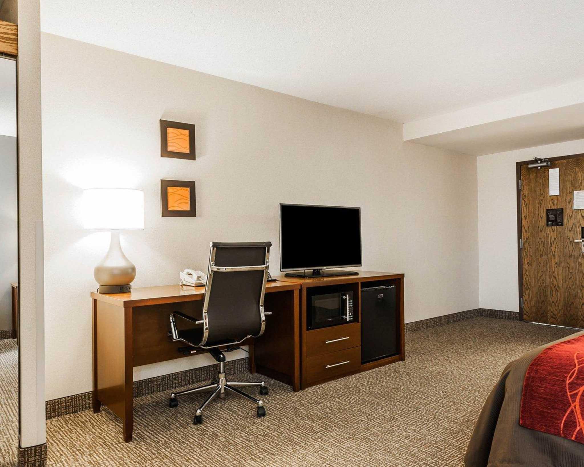 Comfort Inn Denver East image 9