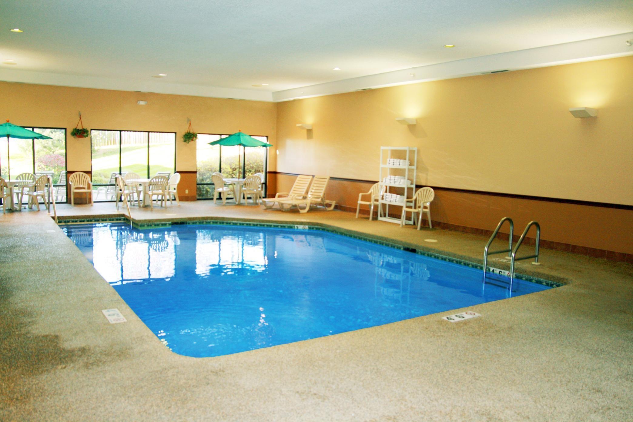 Hampton Inn Cedar Rapids image 4