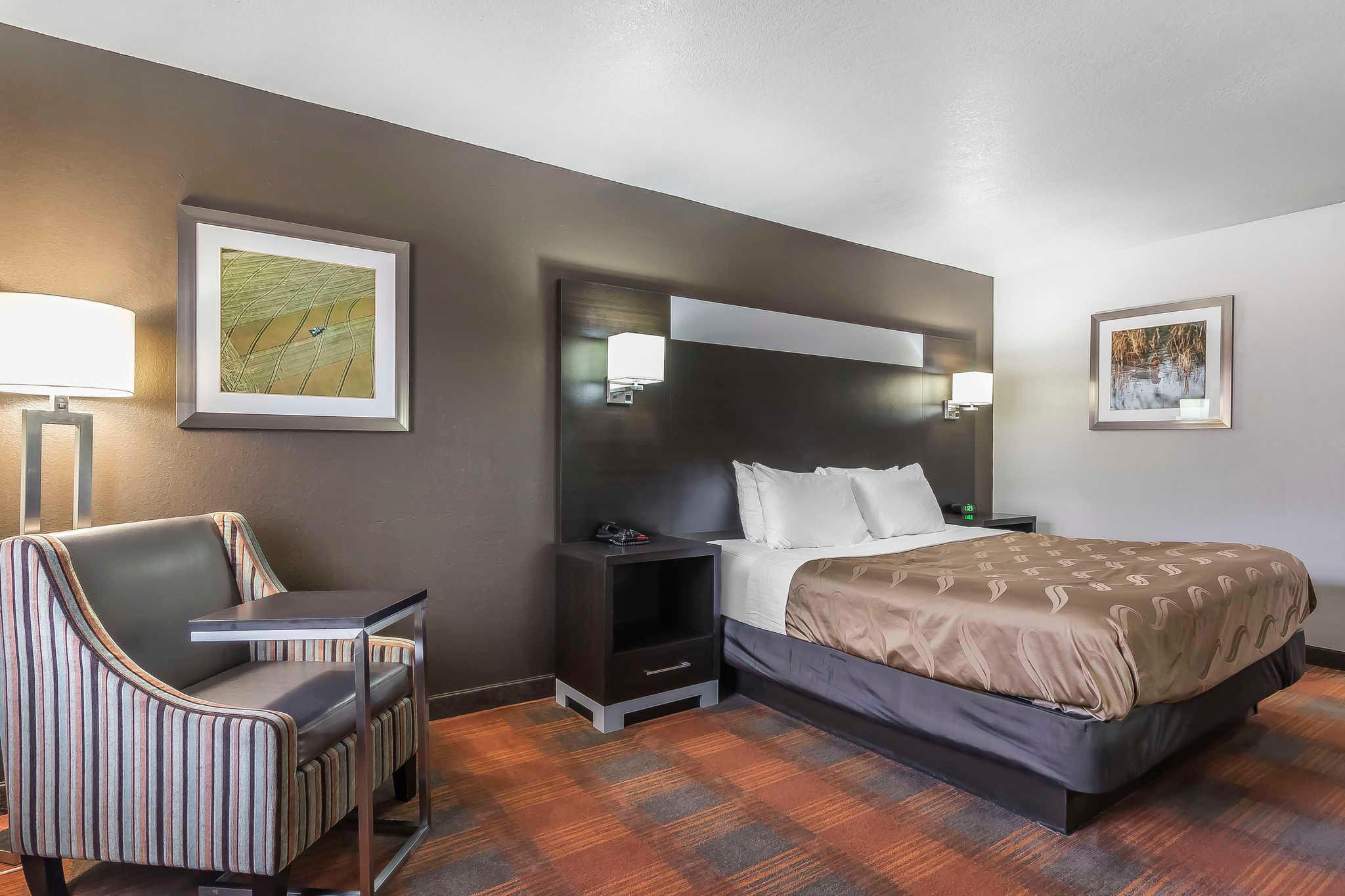 Quality Inn & Suites image 21