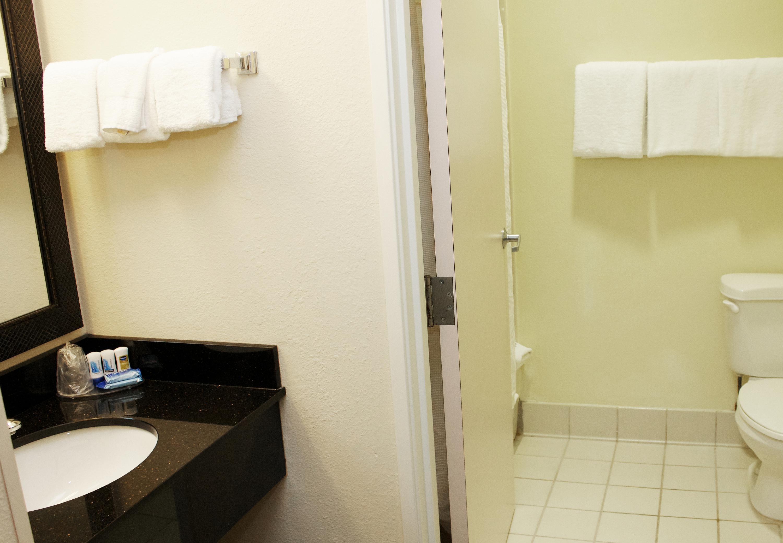 Fairfield Inn & Suites by Marriott St. Petersburg Clearwater image 4
