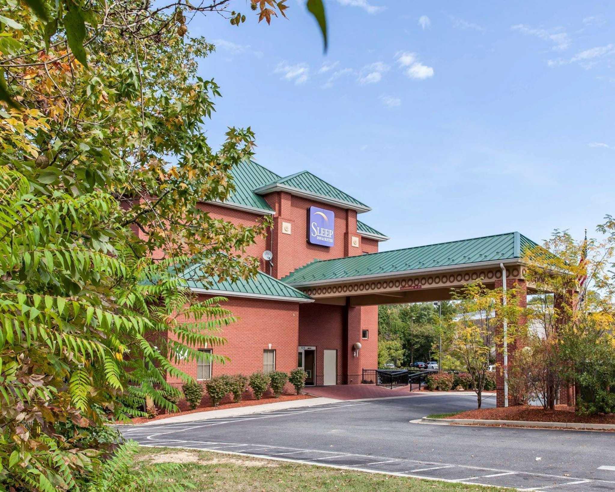 Sleep Inn & Suites Upper Marlboro near Andrews AFB image 1