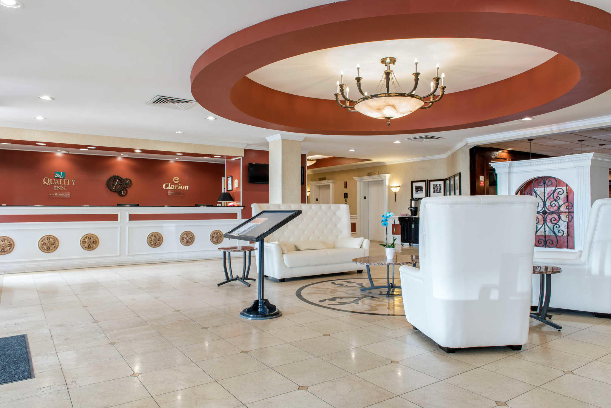Quality Inn Airport image 6