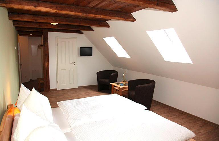 strehlaer hof ffnungszeiten strehlaer hof czornebohstra e. Black Bedroom Furniture Sets. Home Design Ideas