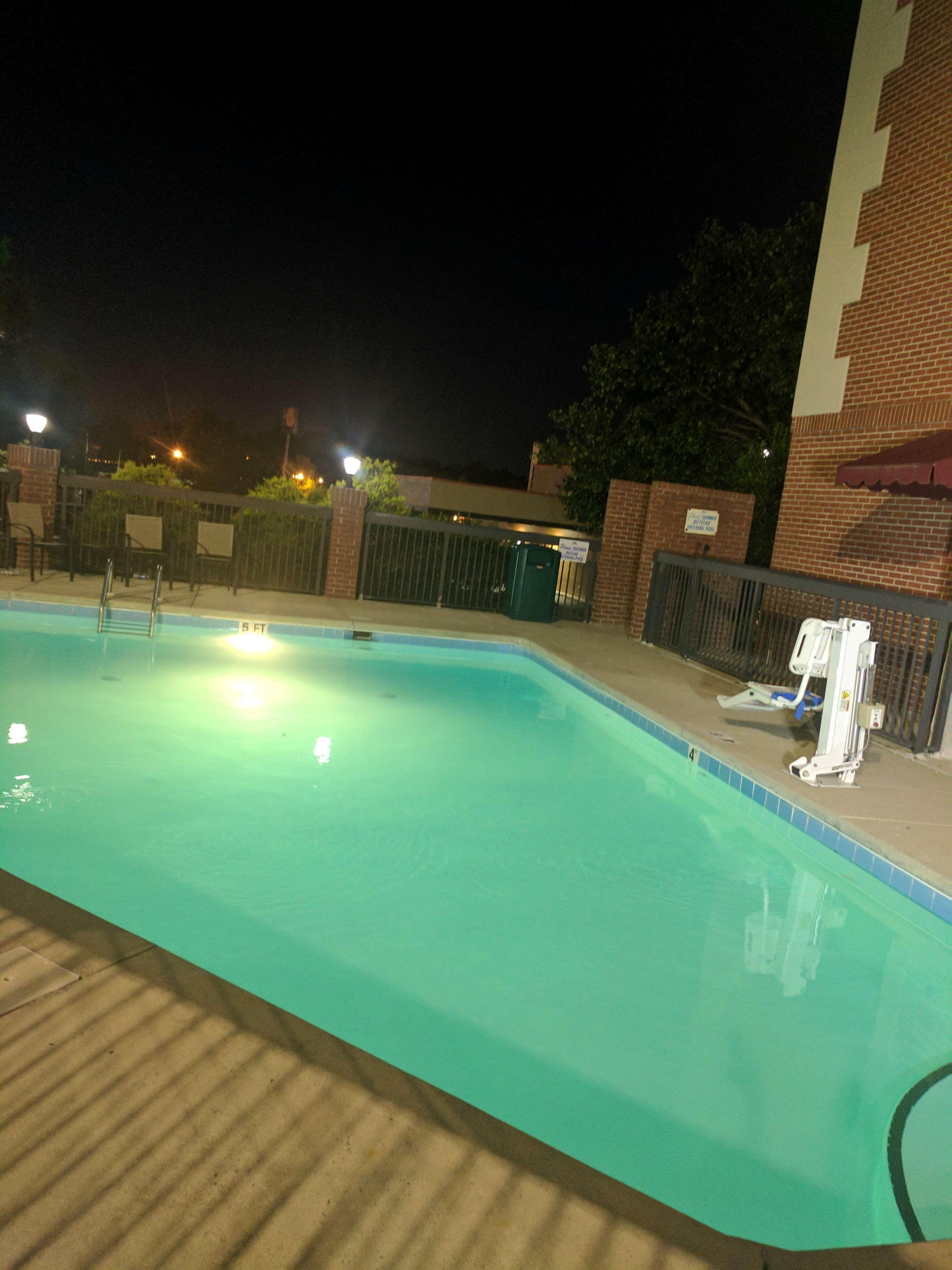 Best Western Plus Greensboro Airport Hotel image 36