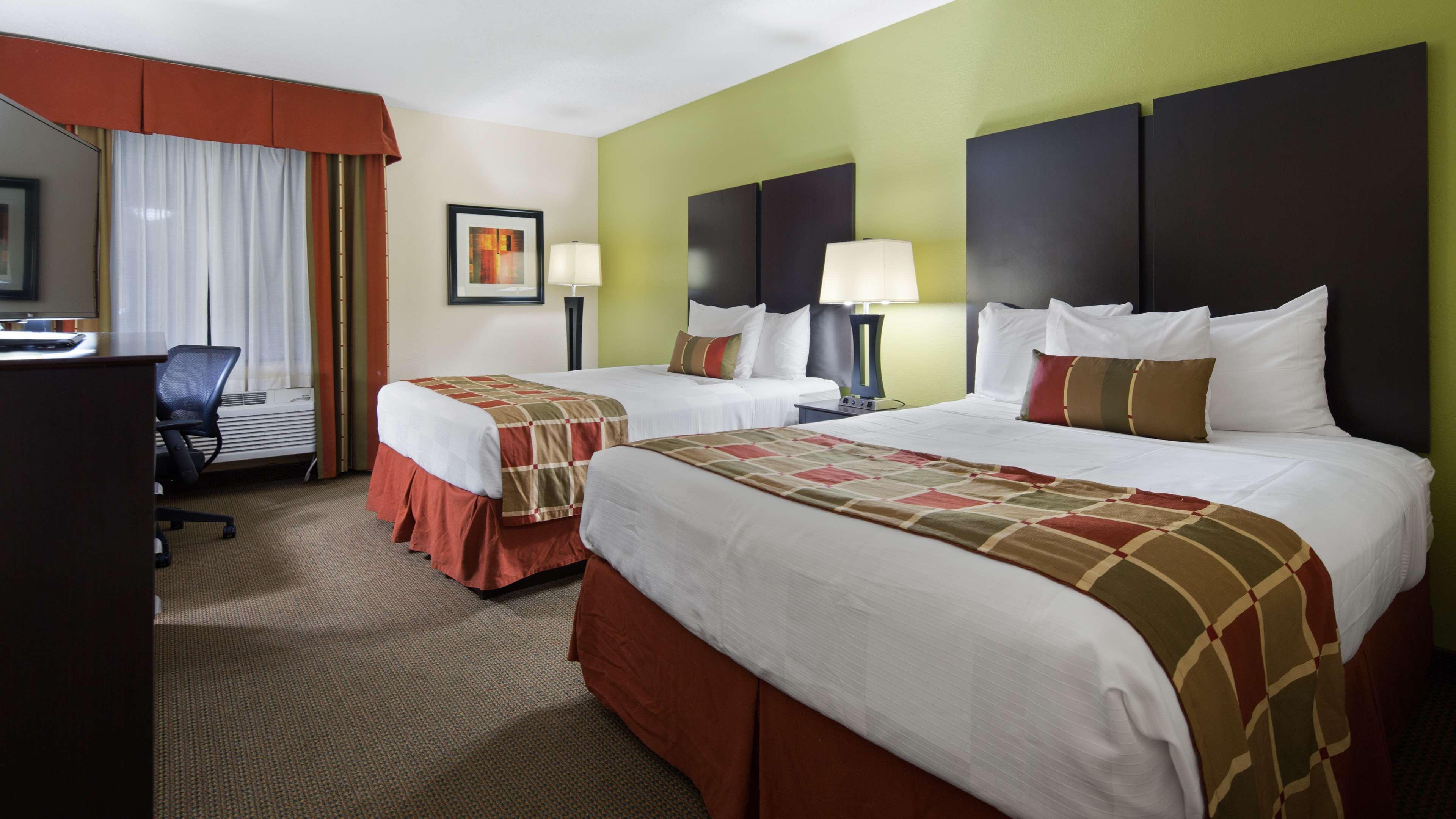 Best Western Plus Huntersville Inn & Suites Near Lake Norman image 11