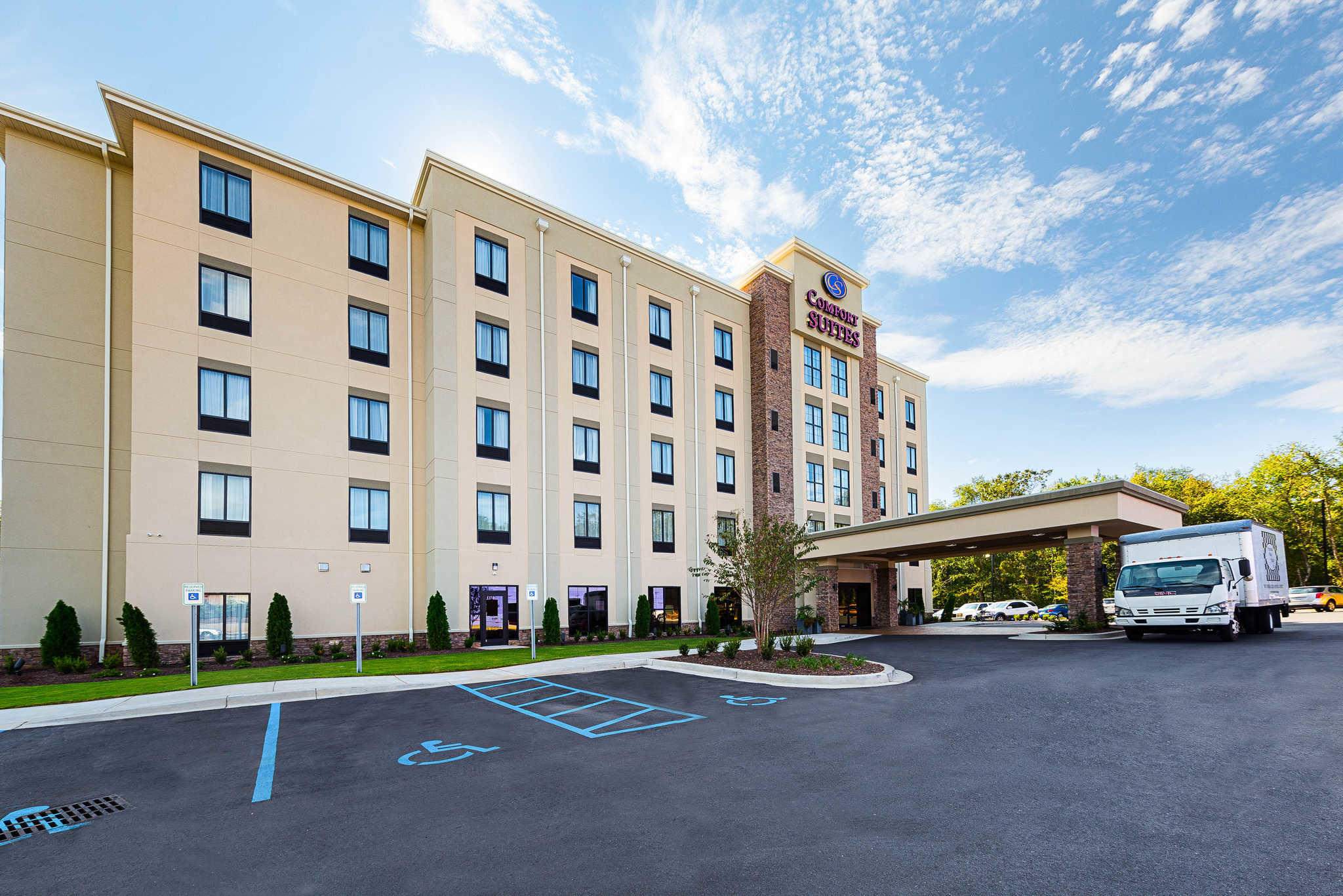 Comfort Suites Greenville South image 1