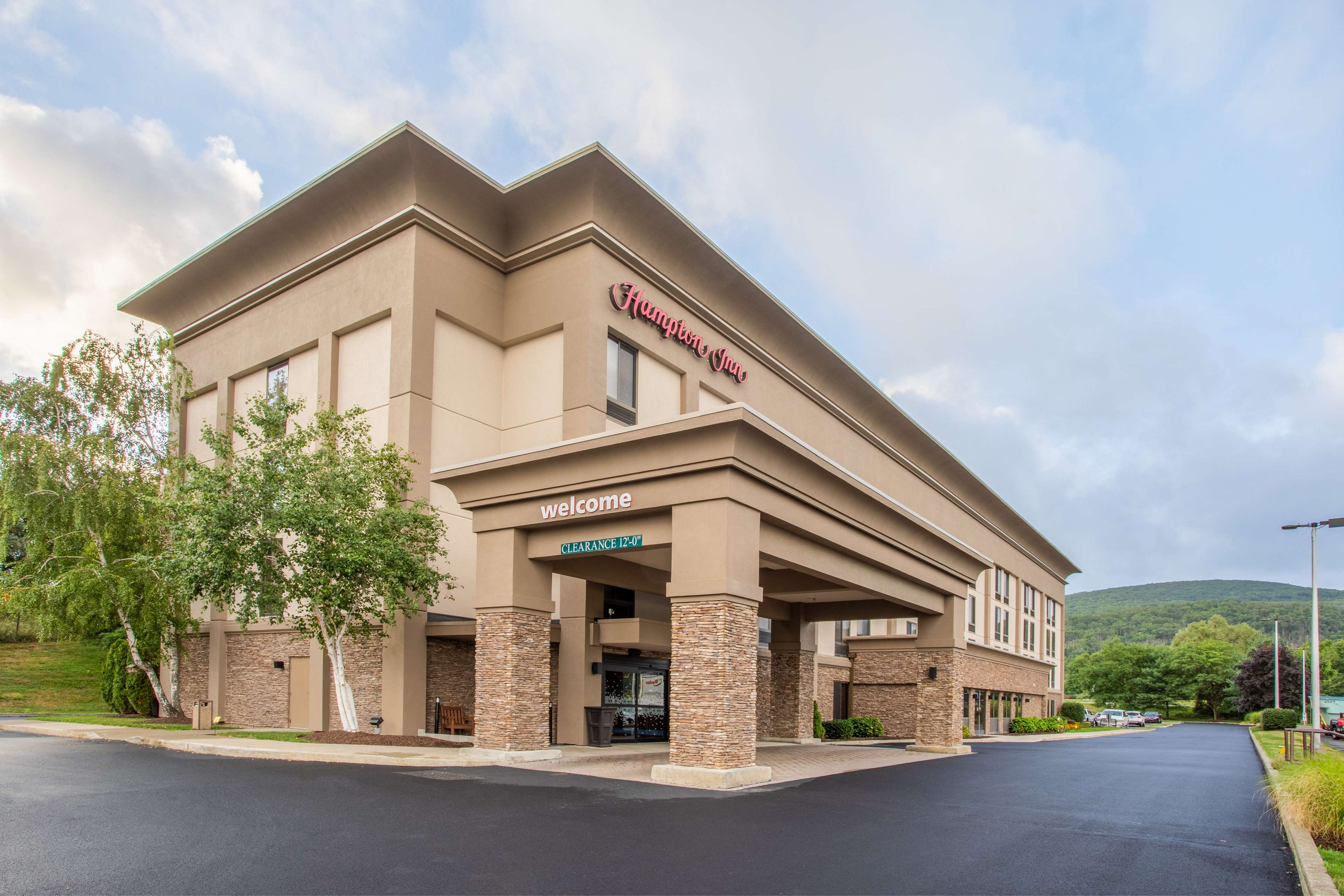 Hampton Inn Fishkill image 3
