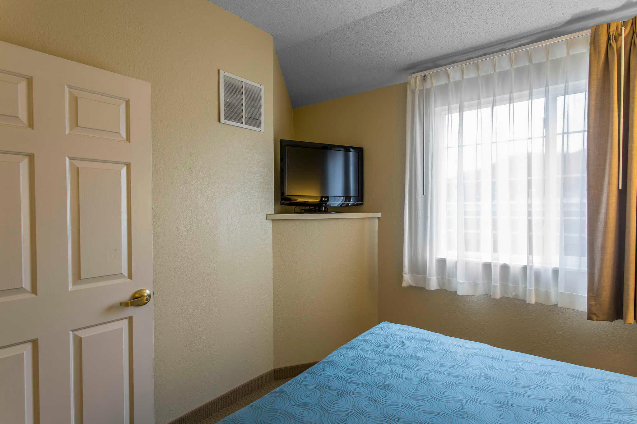 MainStay Suites image 29