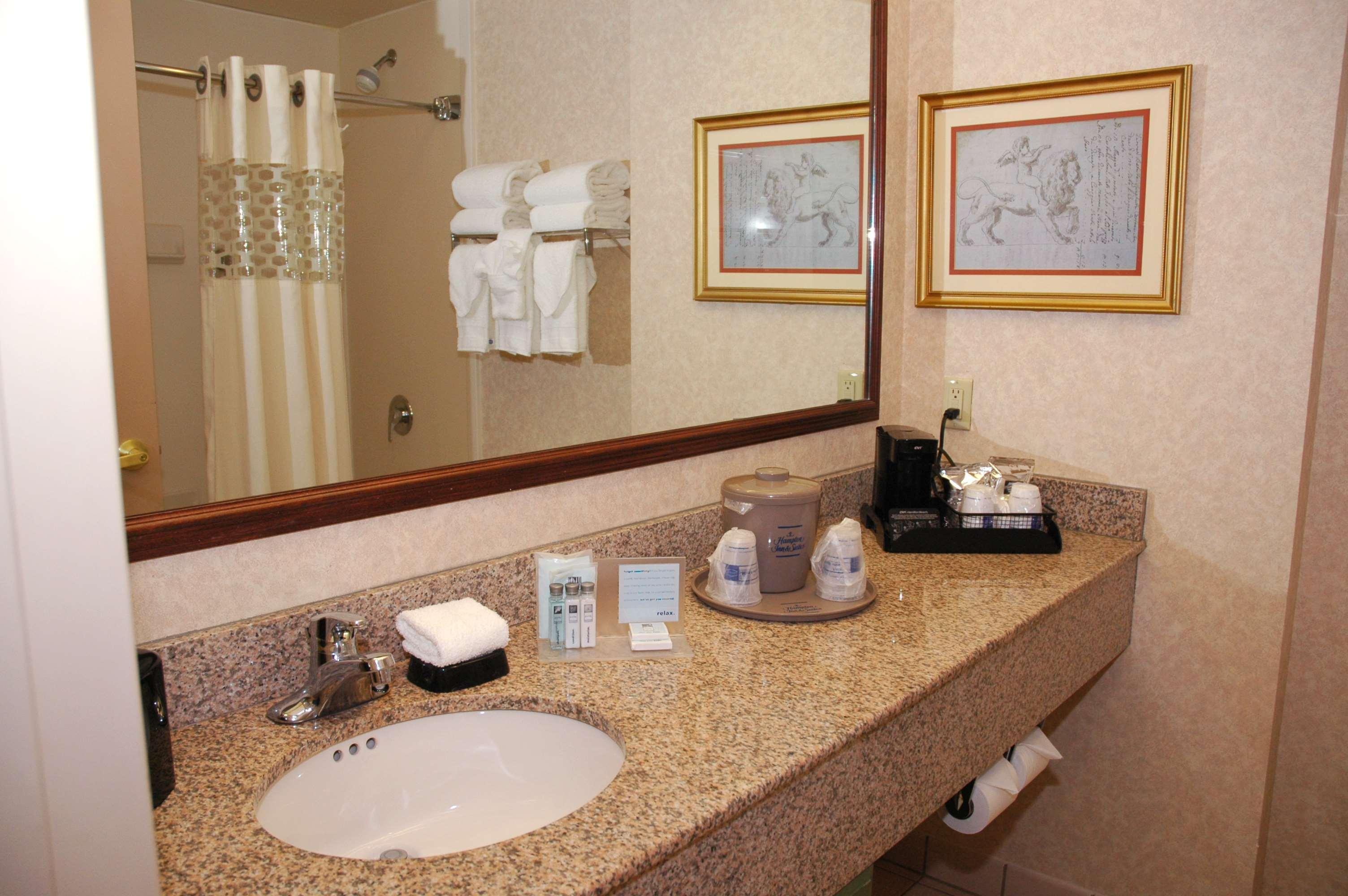 Hampton Inn & Suites Nashville-Green Hills image 15