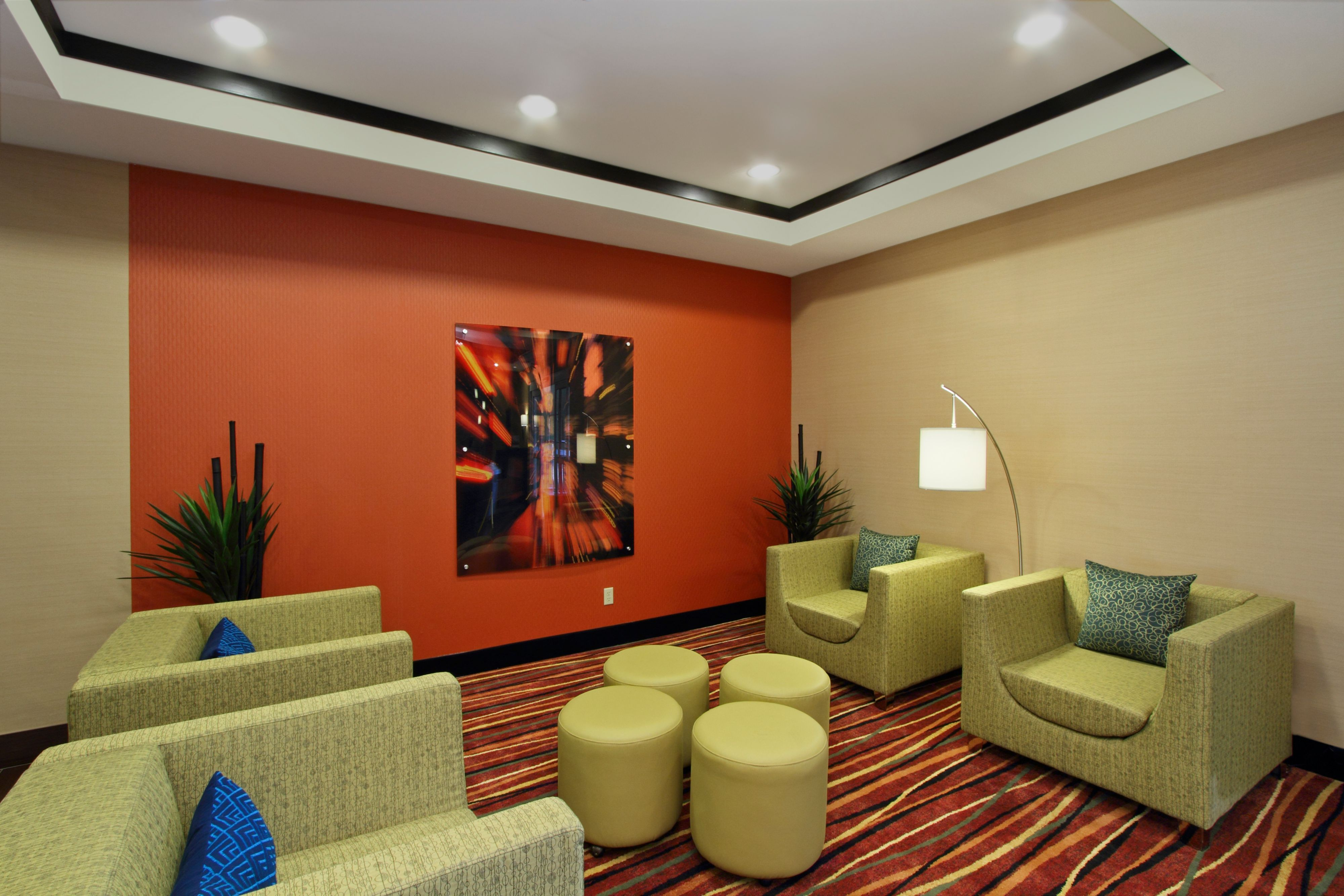 Holiday Inn Express & Suites Houston East - Baytown image 4